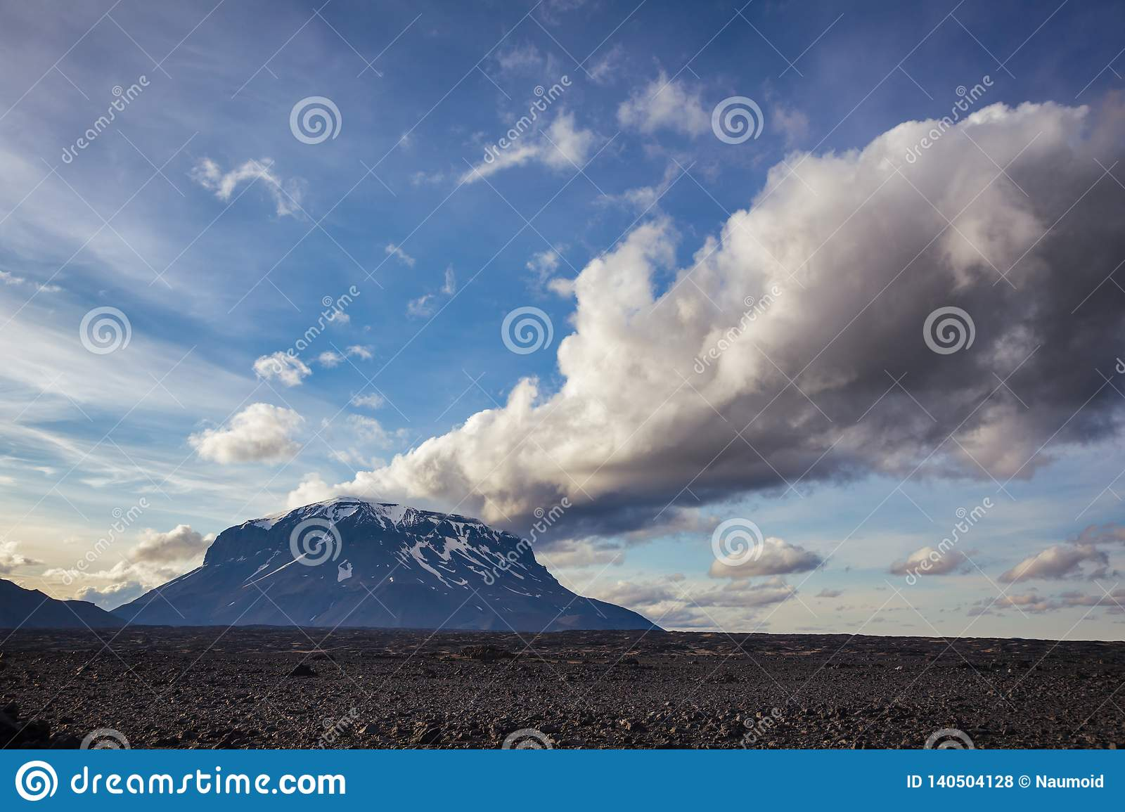 Herdubreid Tuya Mountain Odaddahraun Lava Field Highlands Of