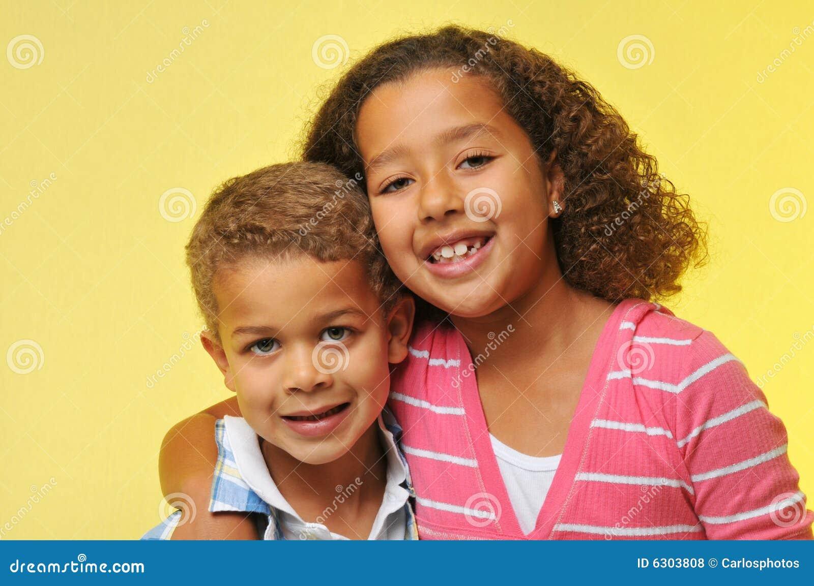 Hermano y hermana