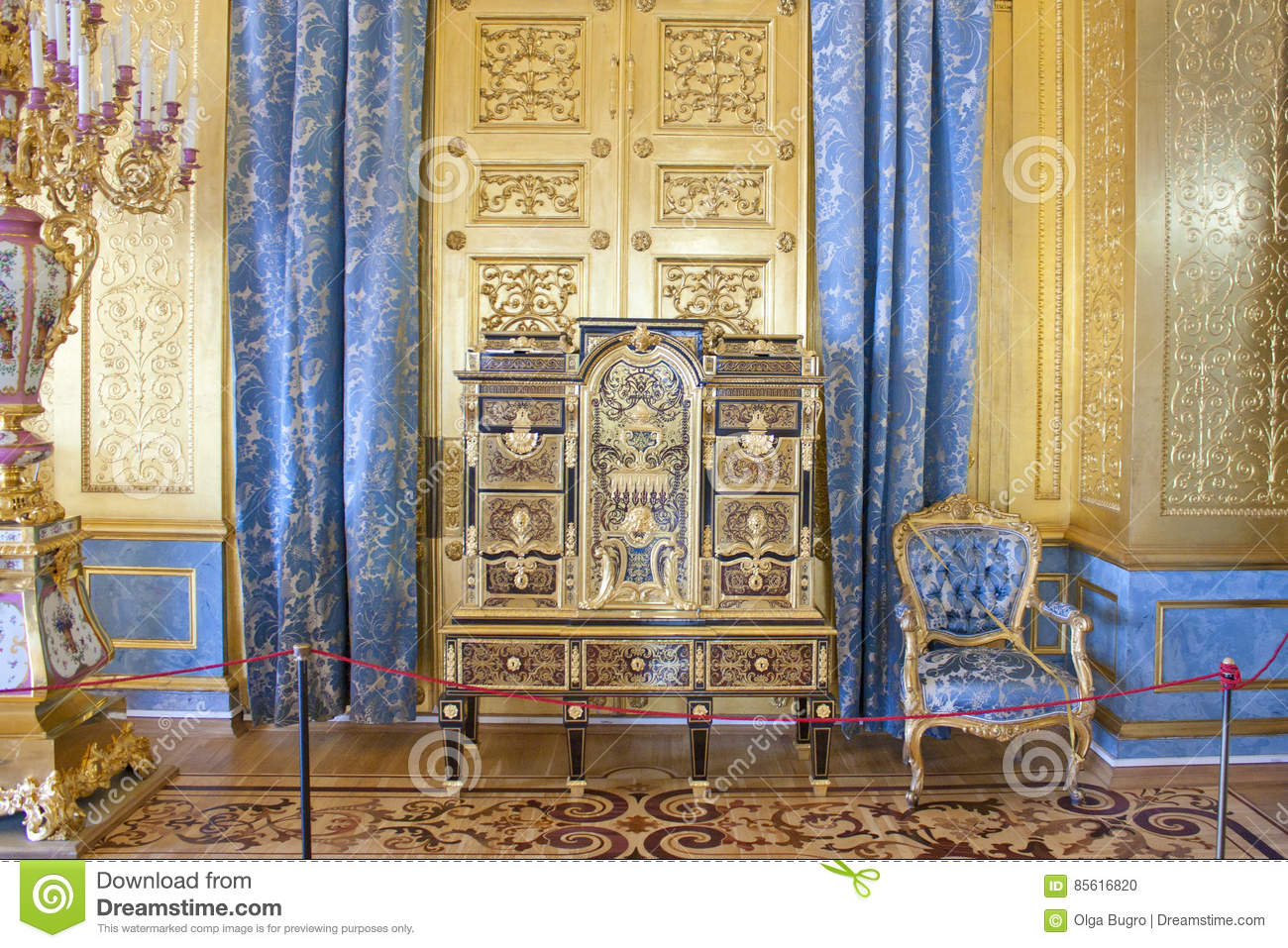 The Hermitage Golden Living Room Of The Winter Palace Stock Photo - Golden living room