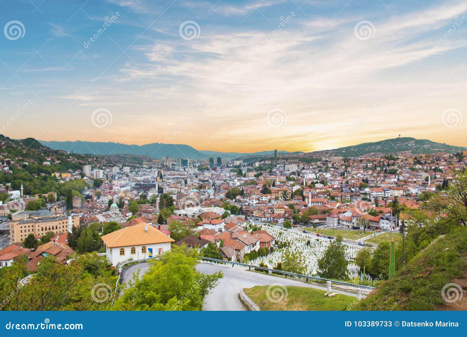 Hermosa vista de la ciudad de Sarajevo, Bosnia y Herzegovina