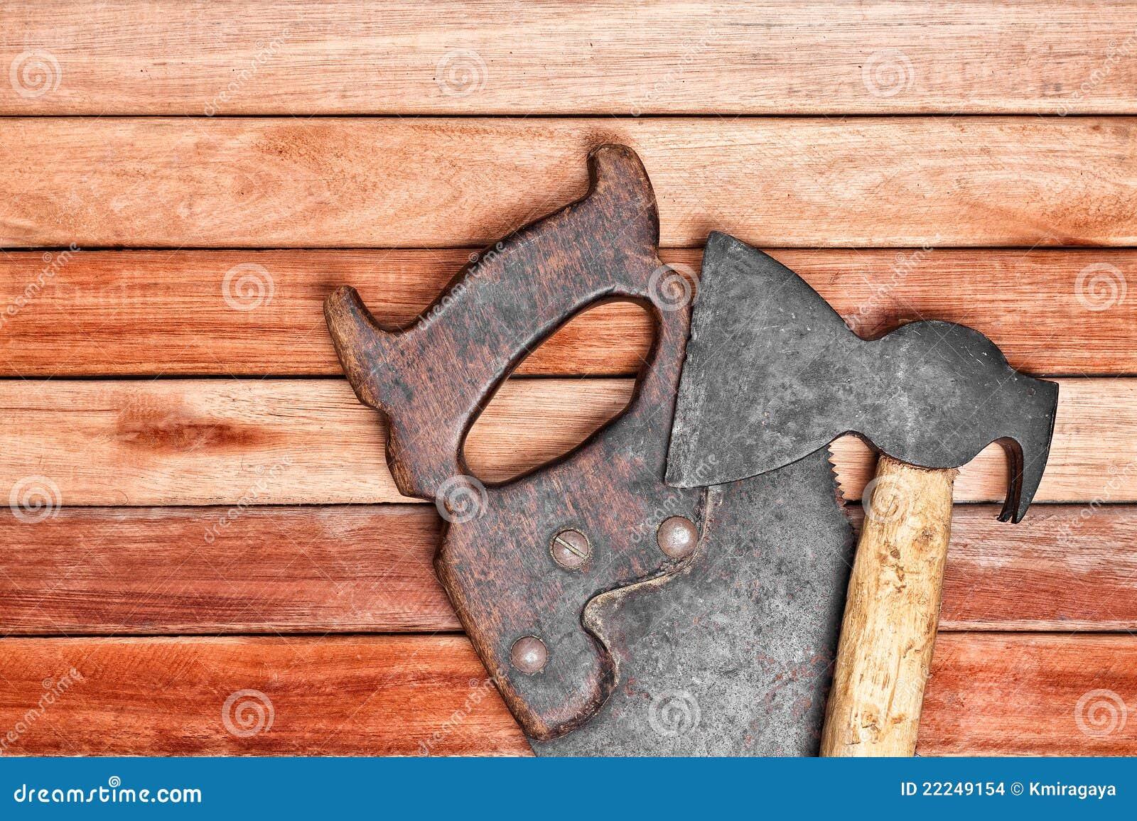 Herramientas manuales sobre tarjetas de madera imagenes de - Herramientas de madera ...
