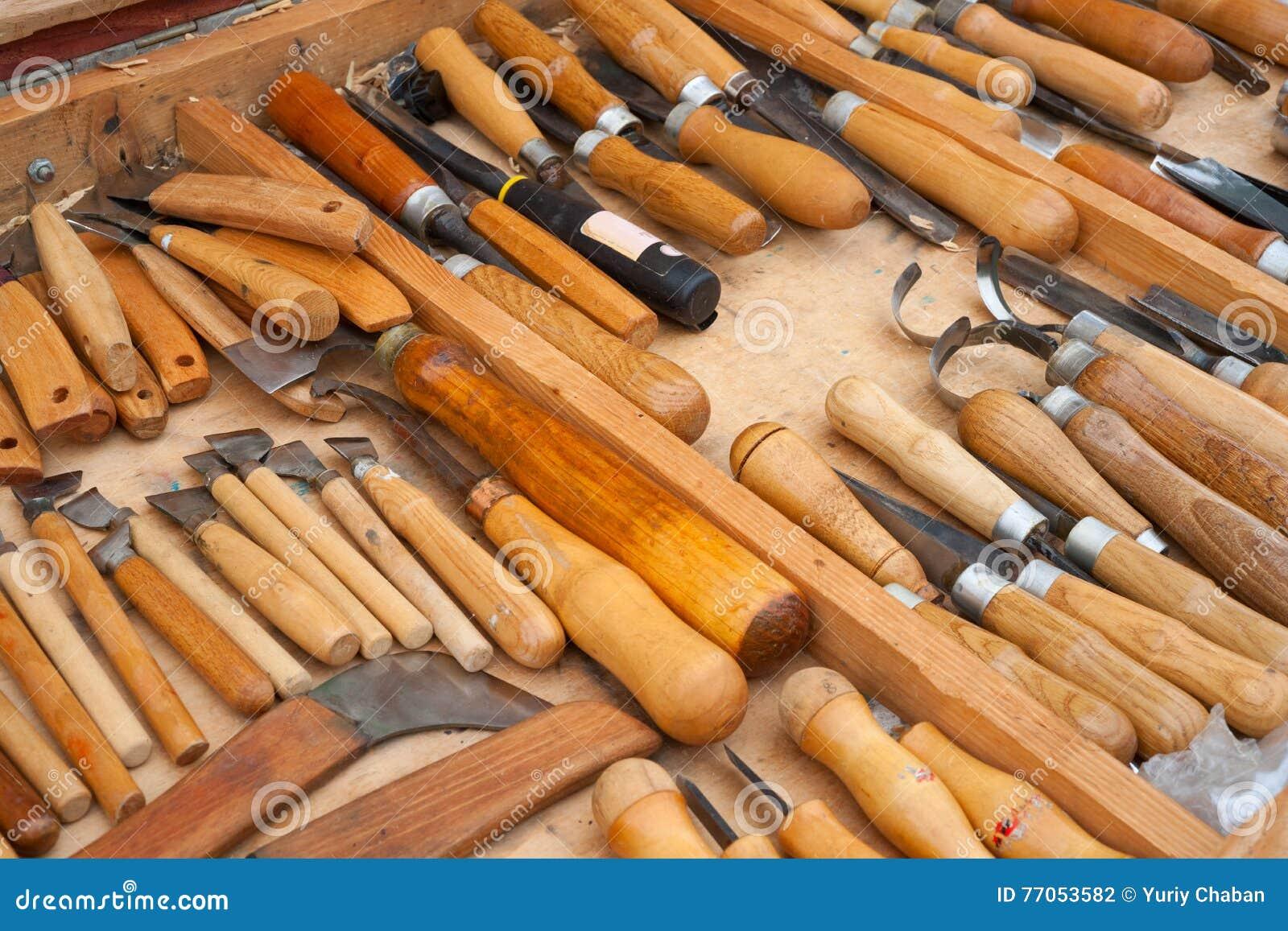 Herramientas para tallar foto de archivo imagen 77053582 - Herramientas de madera ...