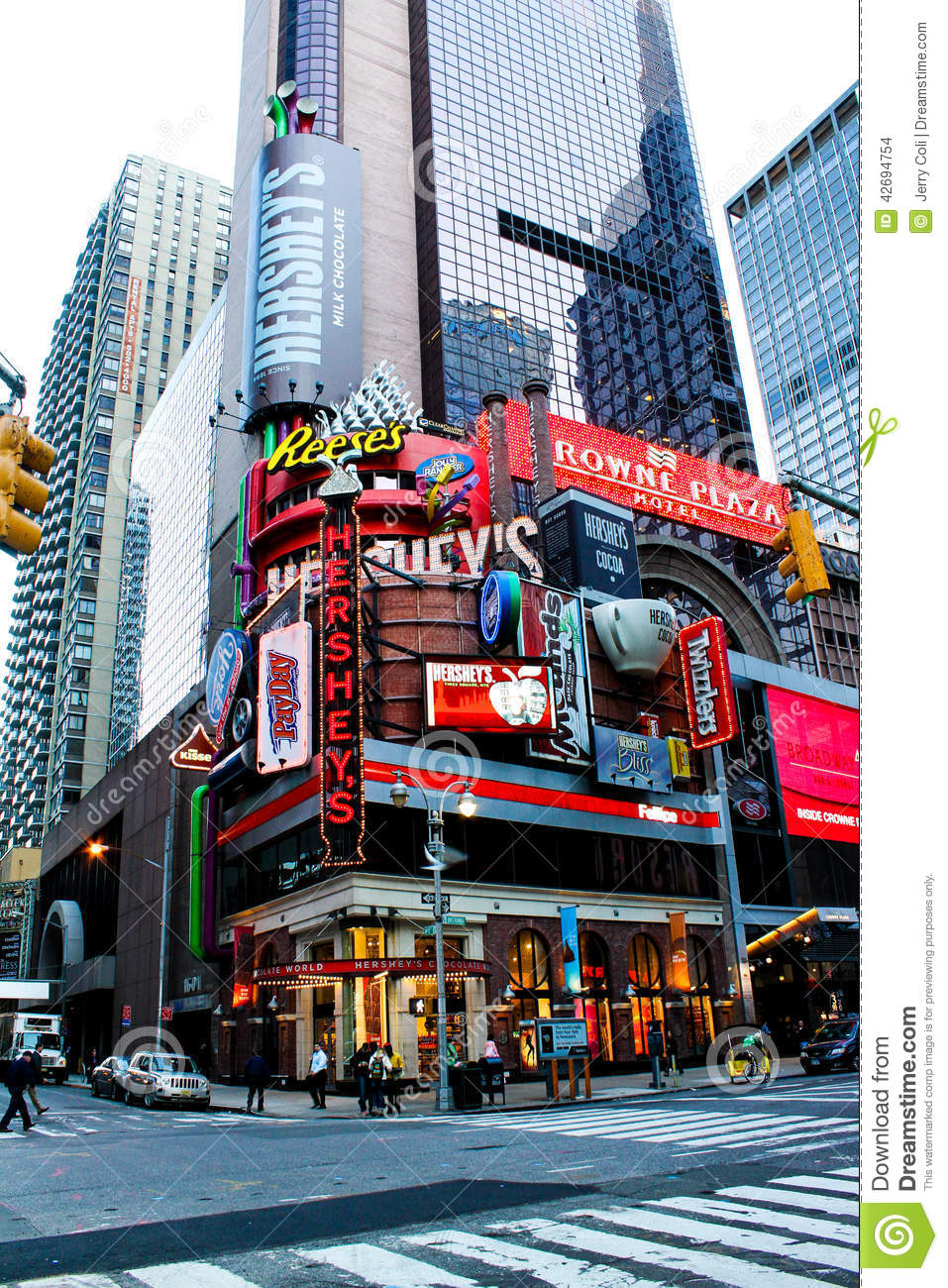 Hershey 39 s candy store manhattan nyc editorial stock for What to do around times square