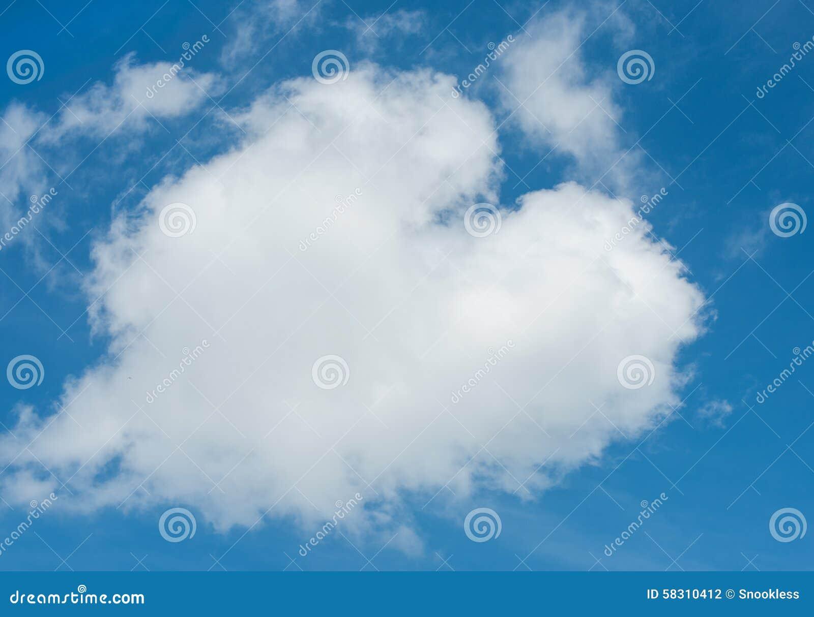 Hert gevormde wolk