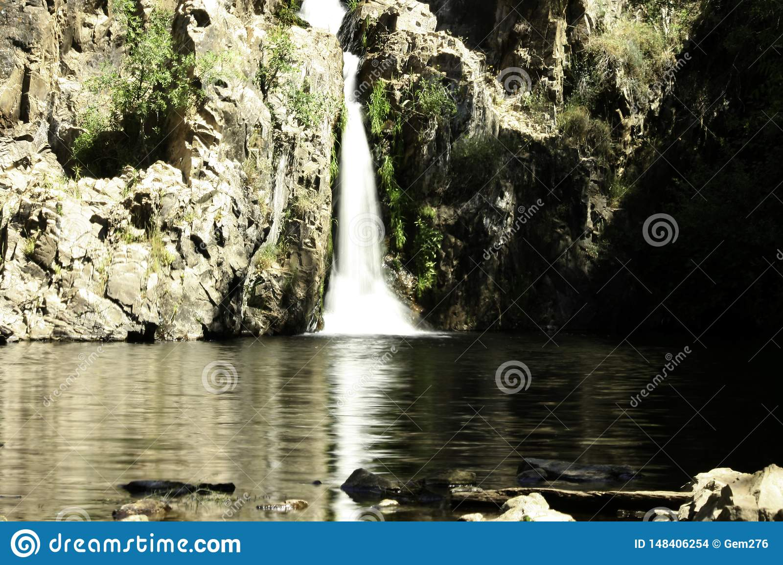 Hervidero waterfall with high contrast