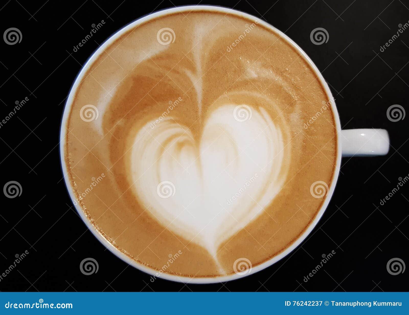 Herz-Form-Kaffee-Schaum stockbild. Bild von getränk, italienisch ...