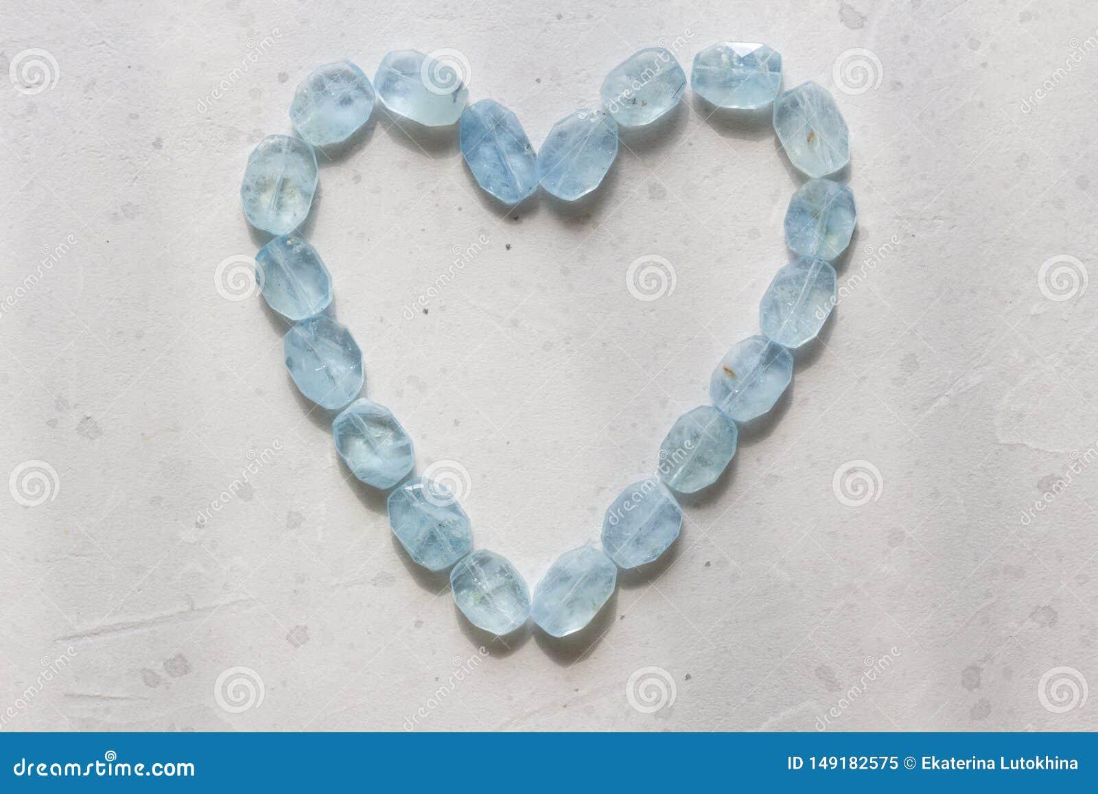 Herz vom Aquamarin Blaues Herz vom nat?rlichen Aquamarin Romance, Valentinsgru?, Liebe kopieren Sie Platz f?r Ihren Text