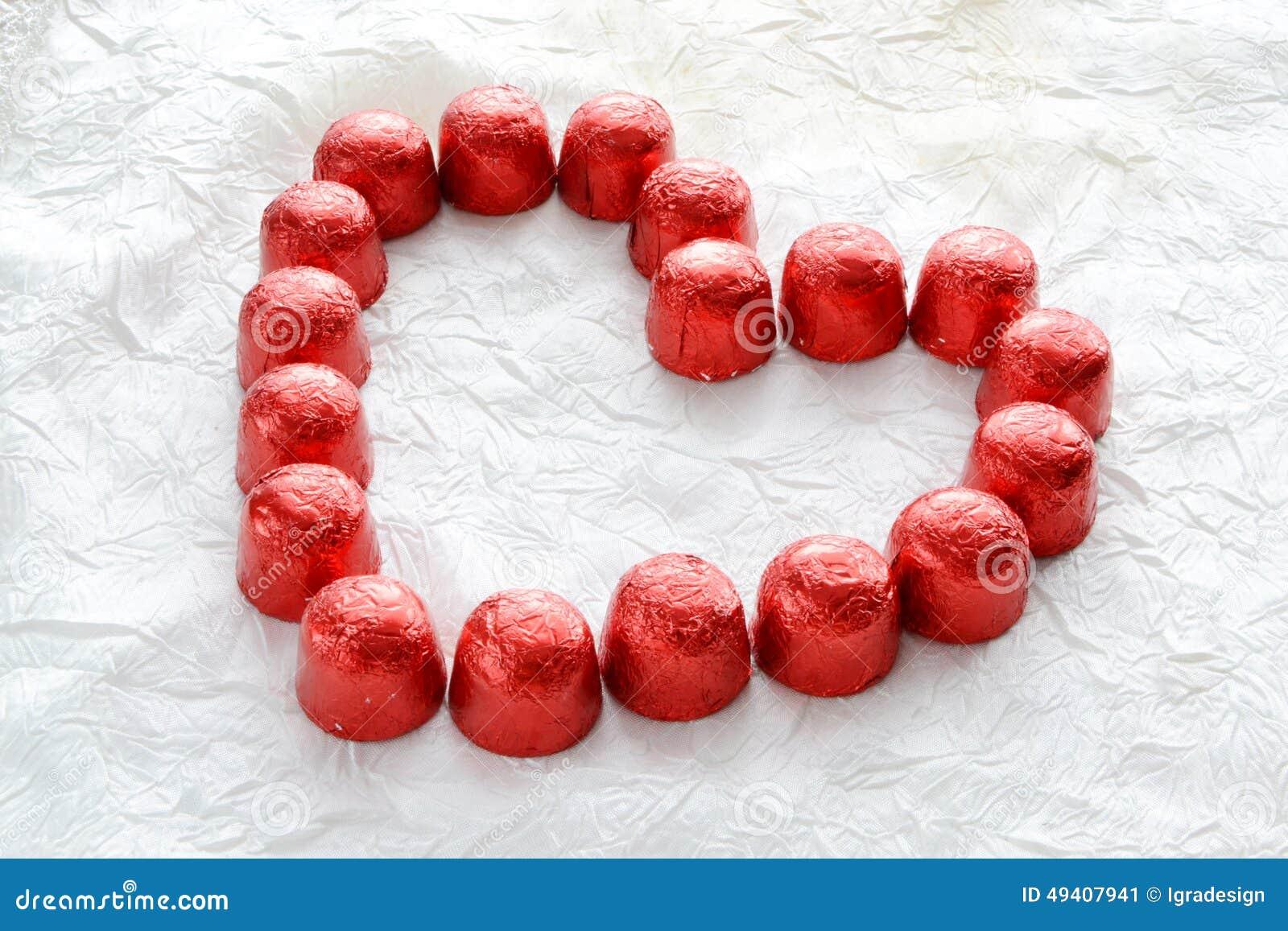 Download Herz von den Süßigkeiten stockbild. Bild von postkarte - 49407941