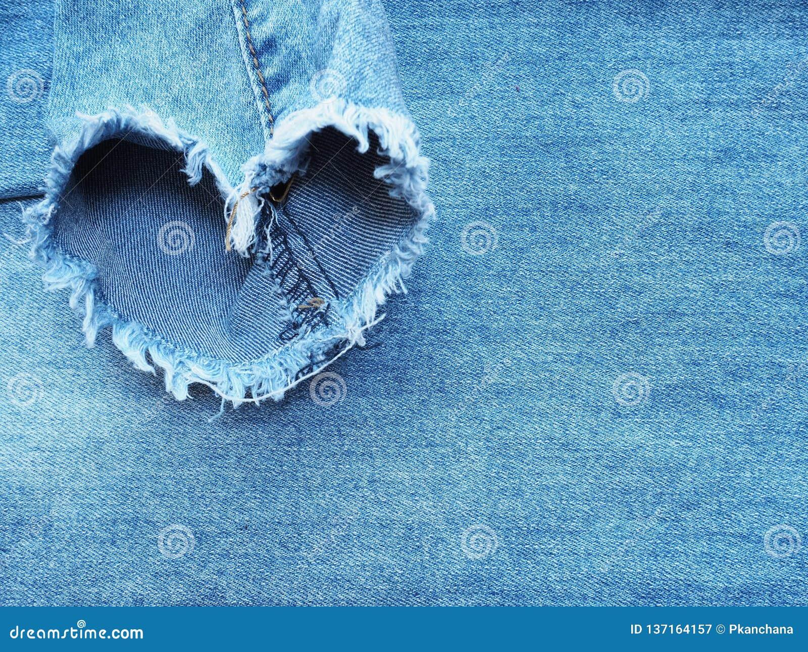 Herzform zerriss Baumwollstoffdenimbeschaffenheit