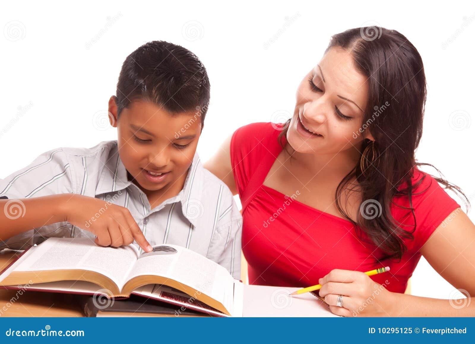 Het aantrekkelijke Spaanse Bestuderen van de Moeder en van de Zoon