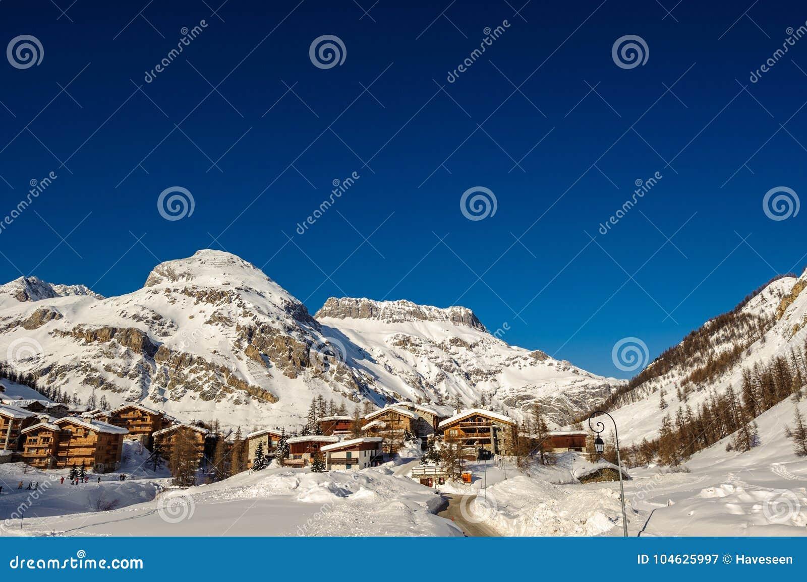 Download Het Alpiene Landschap Van De De Winterberg Franse Alpen Met Sneeuw Stock Afbeelding - Afbeelding bestaande uit toneel, outdoors: 104625997