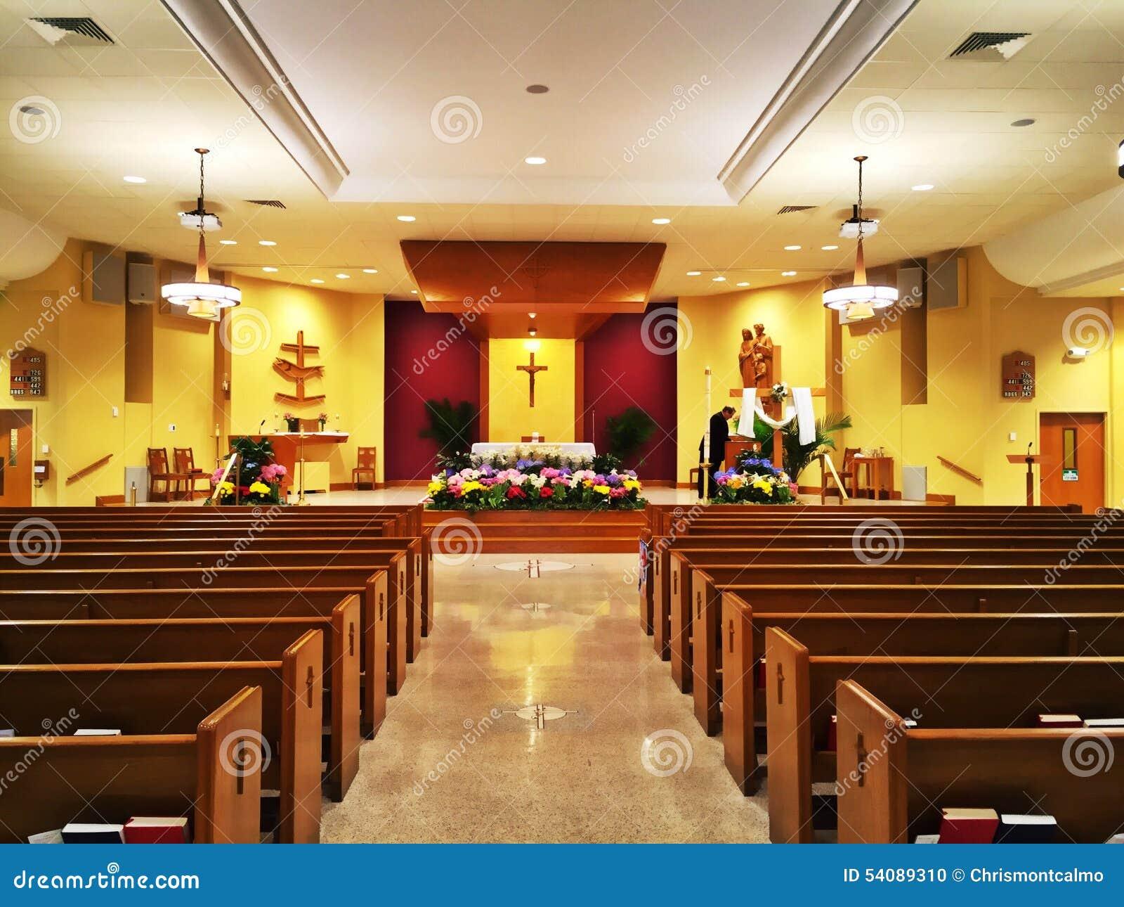 Het altaar van de kerk