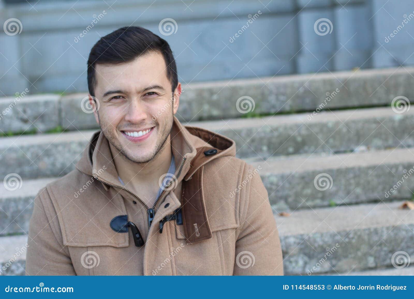 Het Aziatische mannelijke glimlachen met spaceasian exemplaar, mens, mannetje, jongelui, portret, knap gezicht, gelukkige glimlac