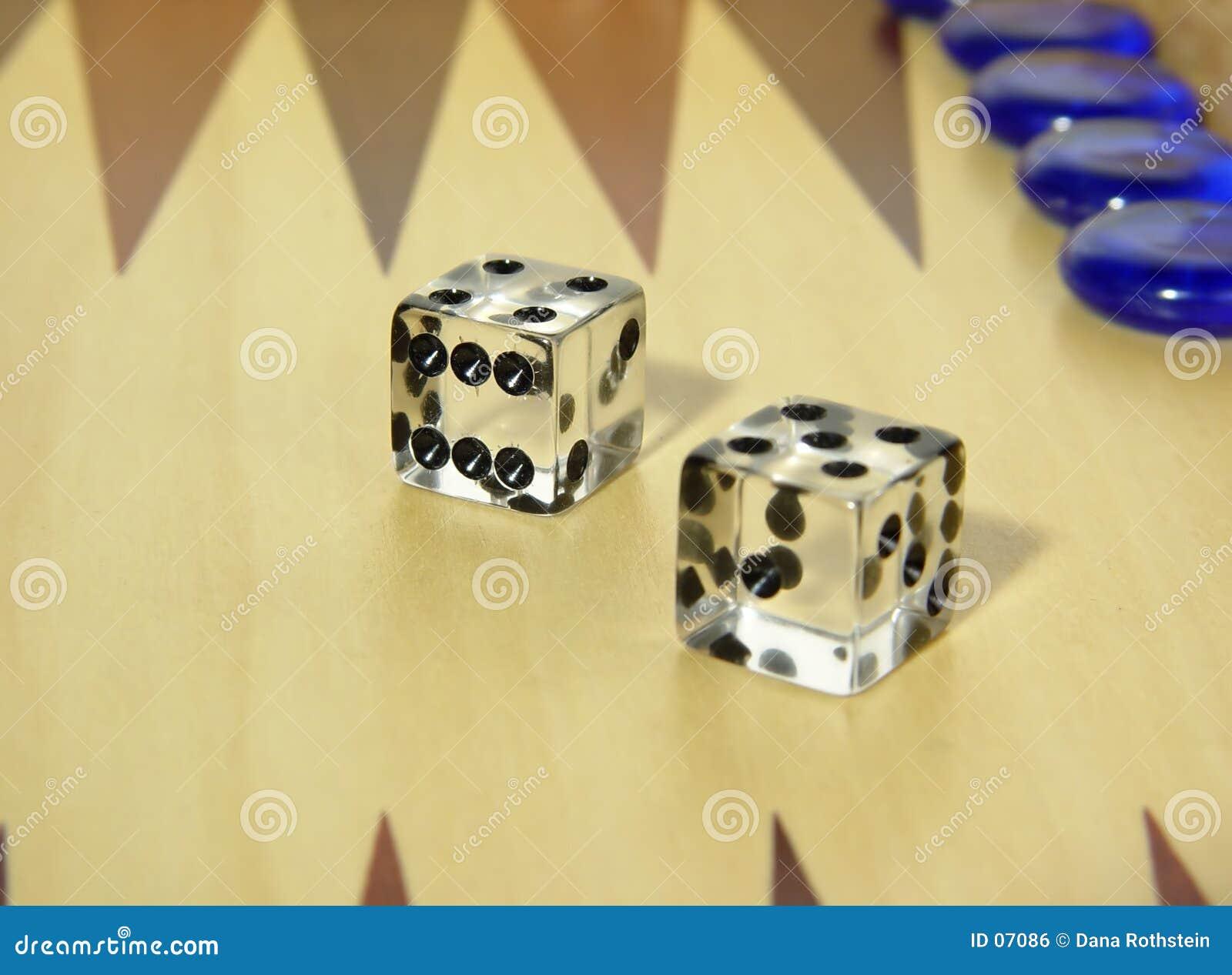 Het backgammon dobbelt
