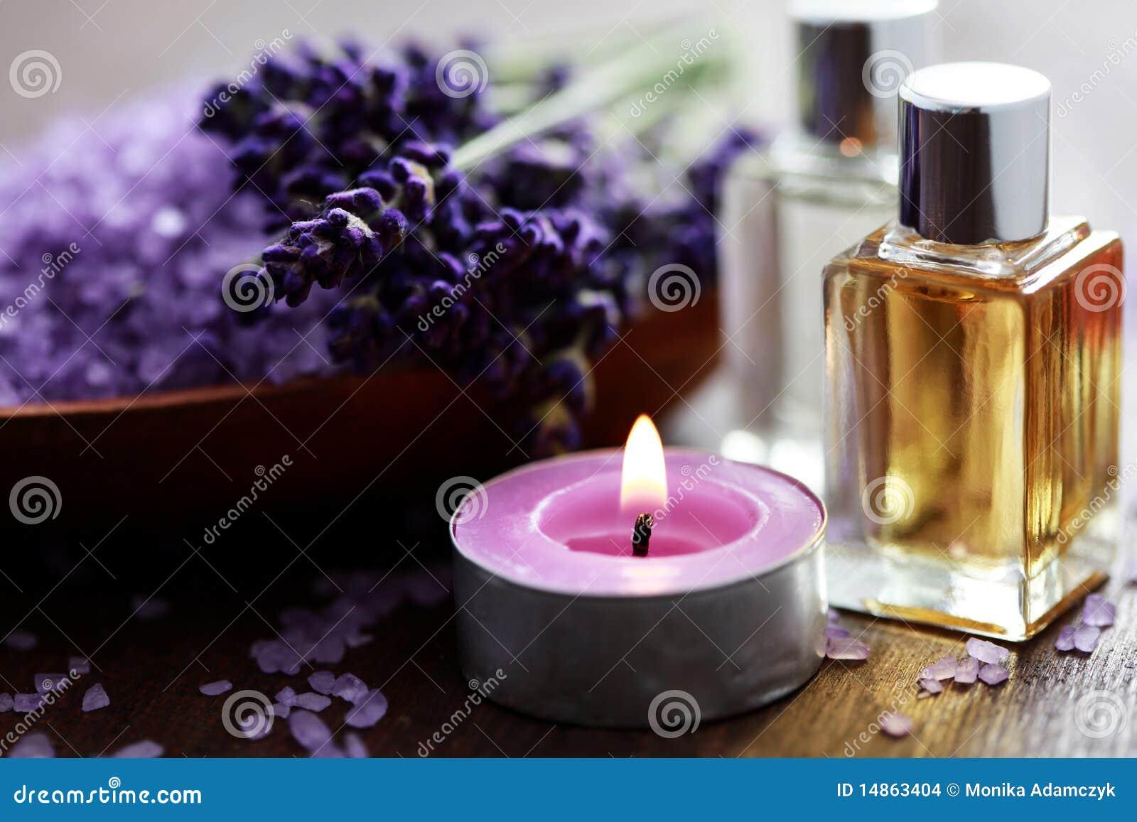 Het badzout van de lavendel en massageolie