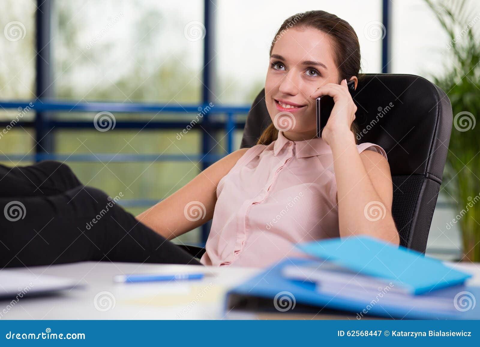 Het bedrijfsvrouw roepen