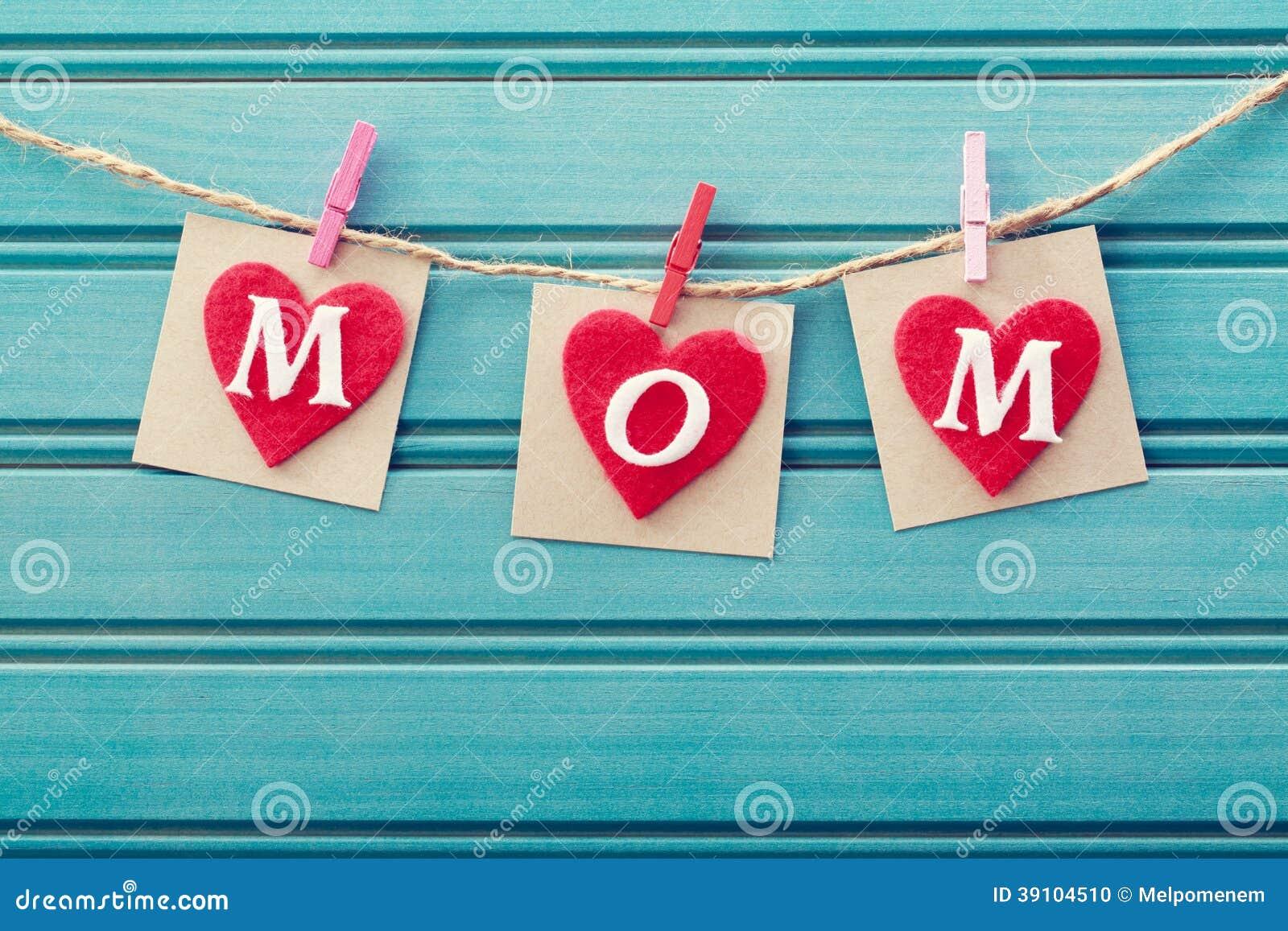 Het bericht van de moedersdag op gevoelde harten