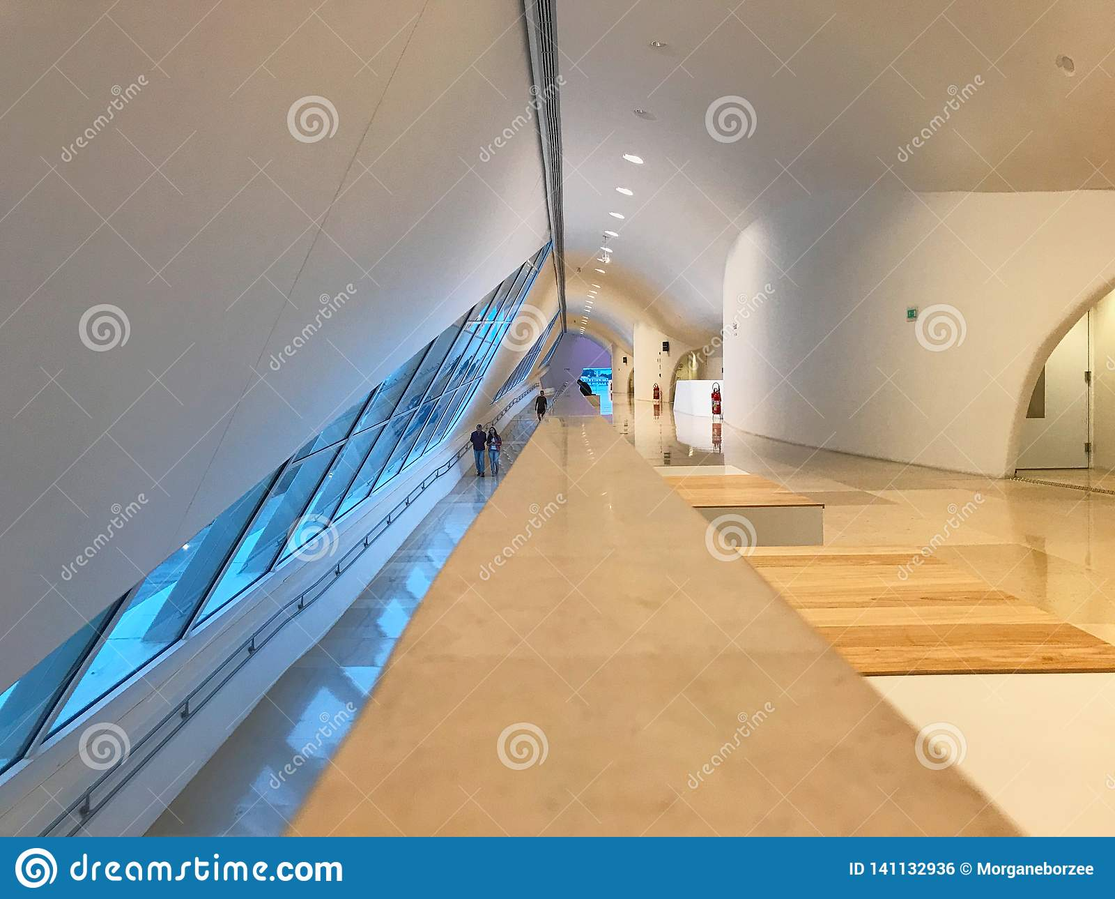 Het binnenland van het Amanhamuseum, architectuur door Santiago Calatrava