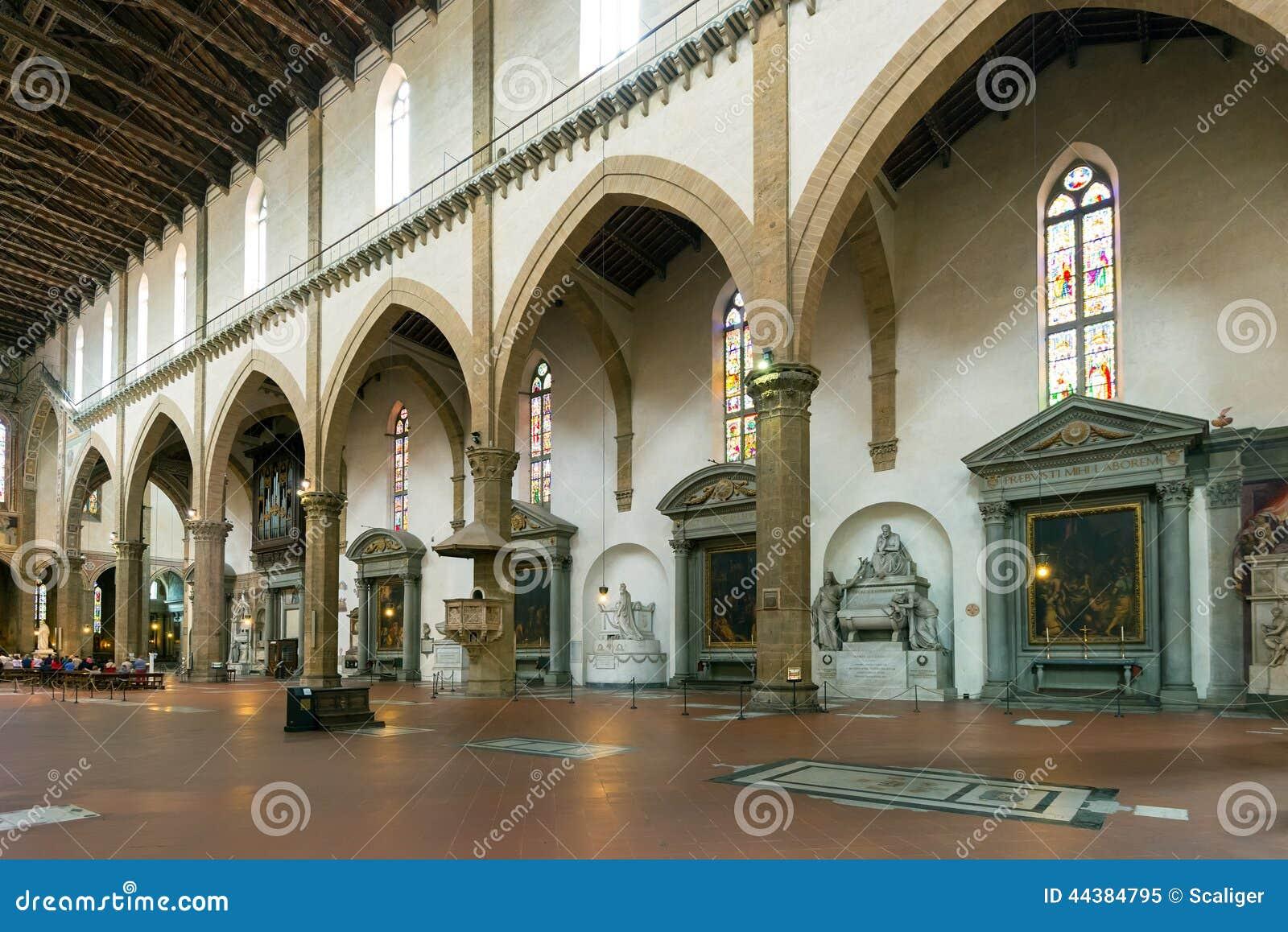 Het binnenland van de Basiliek van Santa Croce in Florence