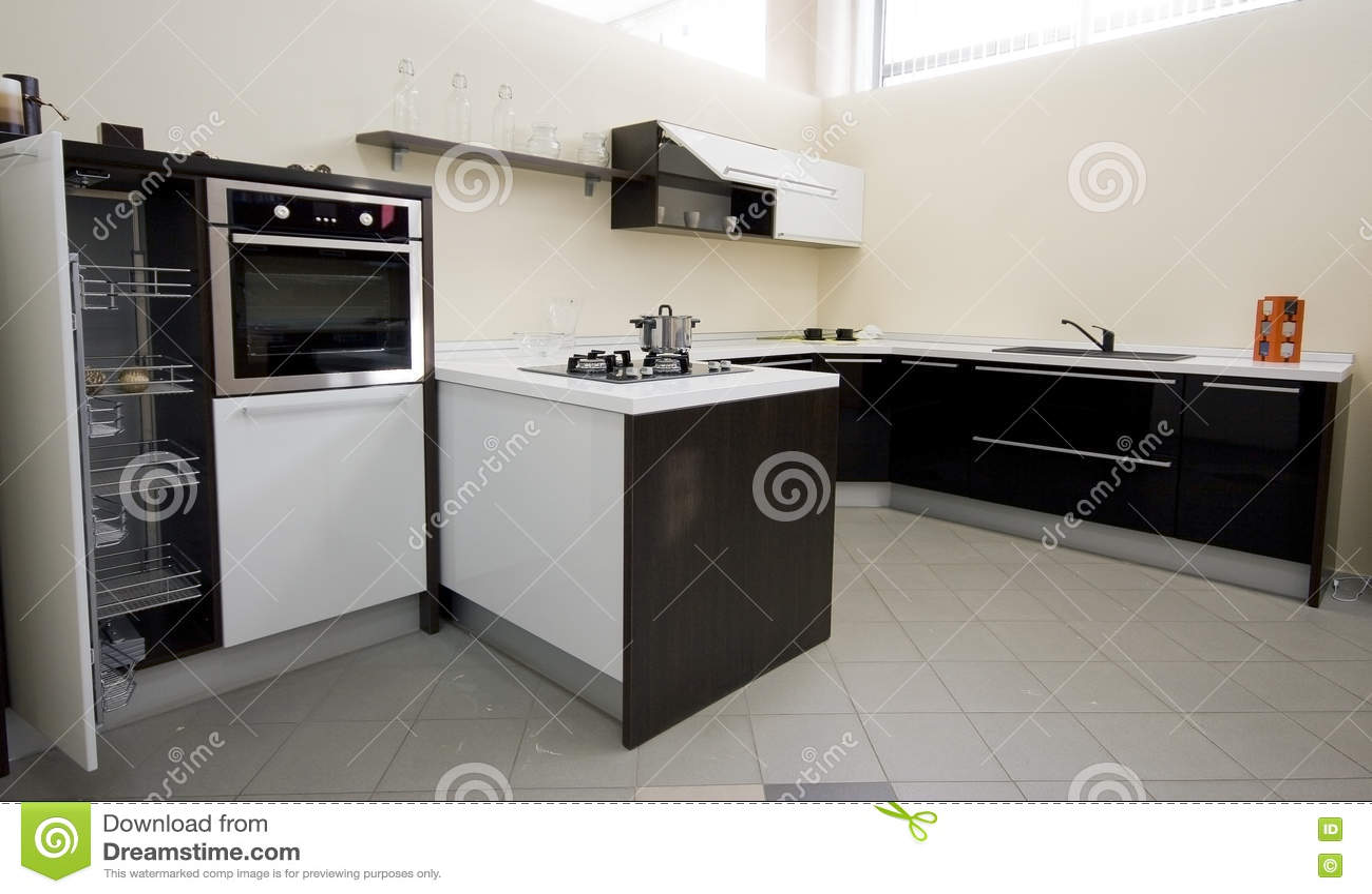 Het binnenland van de keuken stock foto afbeelding 7104500 - Fotos van keuken amenagee ...