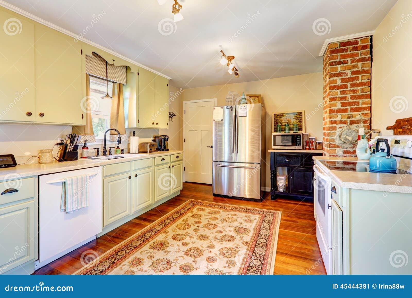 Het binnenland van de keukenruimte in oud huis stock foto afbeelding 45444381 - Optimaliseer de keukenruimte ...
