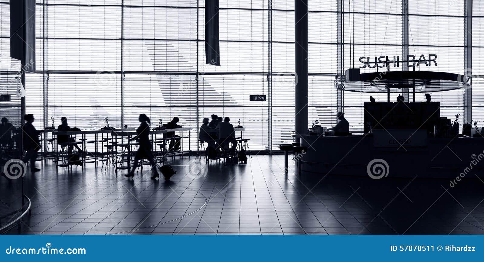 Het binnenland van de luchthaven