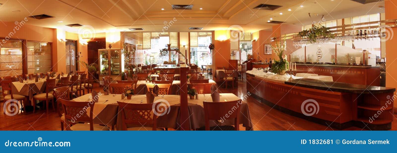 Het binnenland van het restaurant