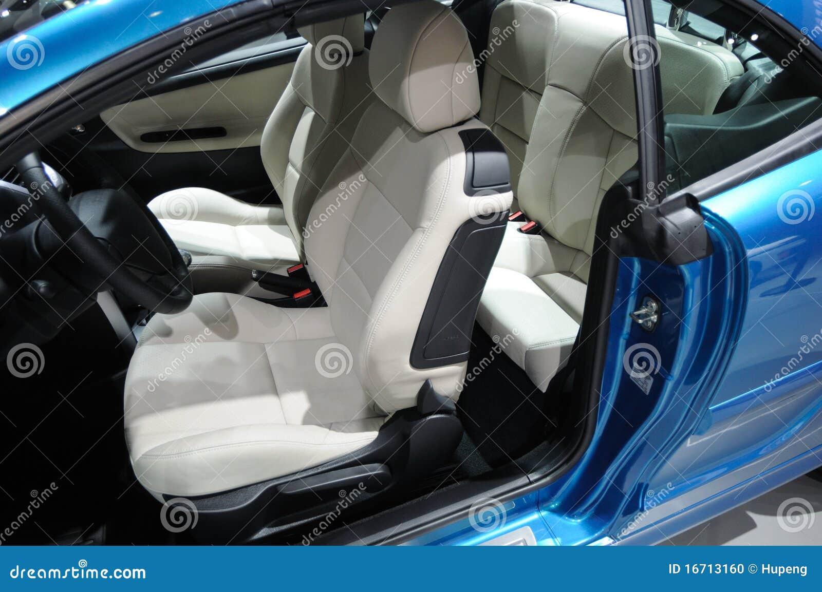 het blauwe peugeot 207cc binnenland van de sportwagen stock foto afbeelding 16713160. Black Bedroom Furniture Sets. Home Design Ideas
