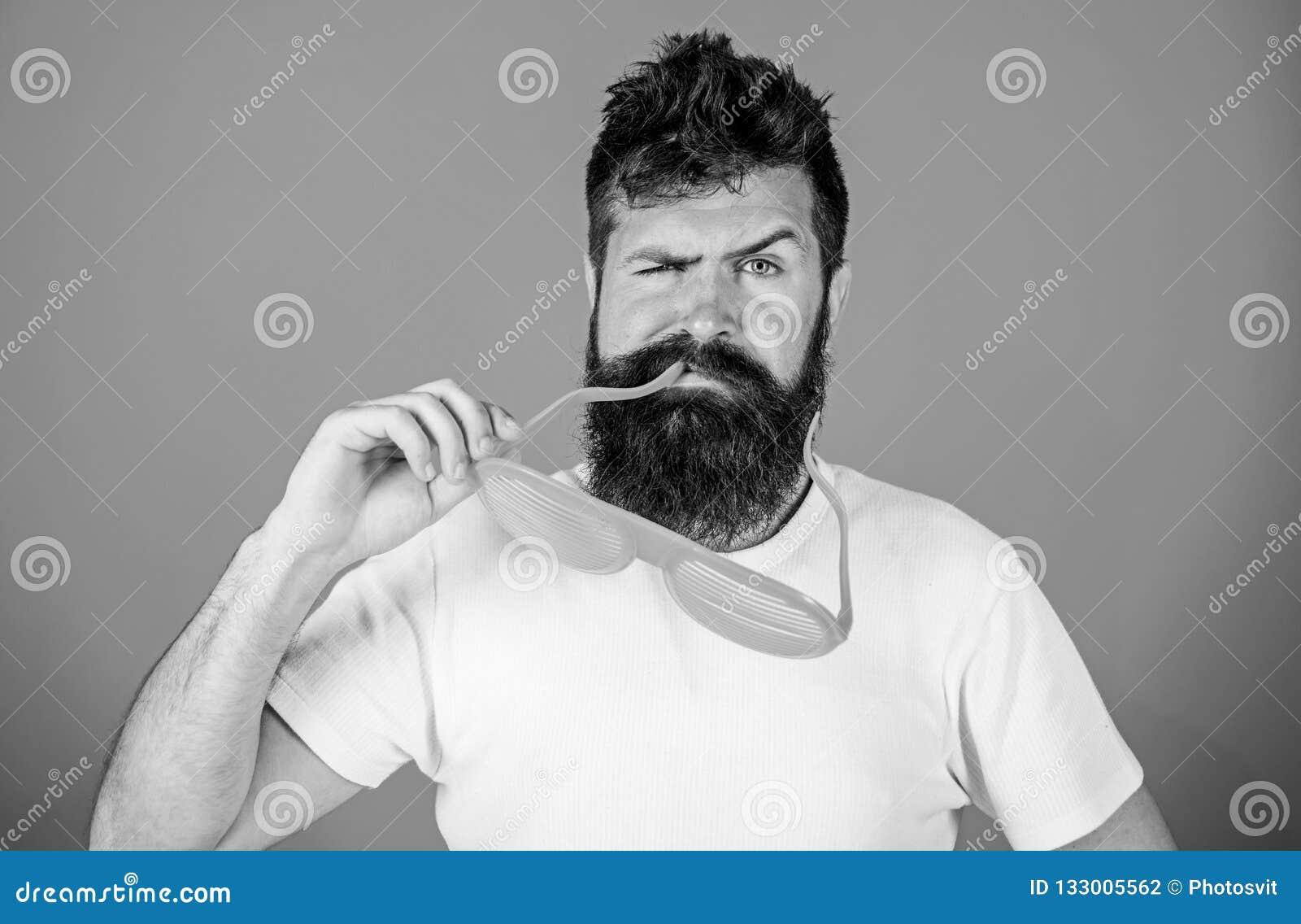 Het blind van de Hipsterslijtage stelt zonnebril in de schaduw Het bijkomende concept van de de ogenbescherming Modieuze toebehor