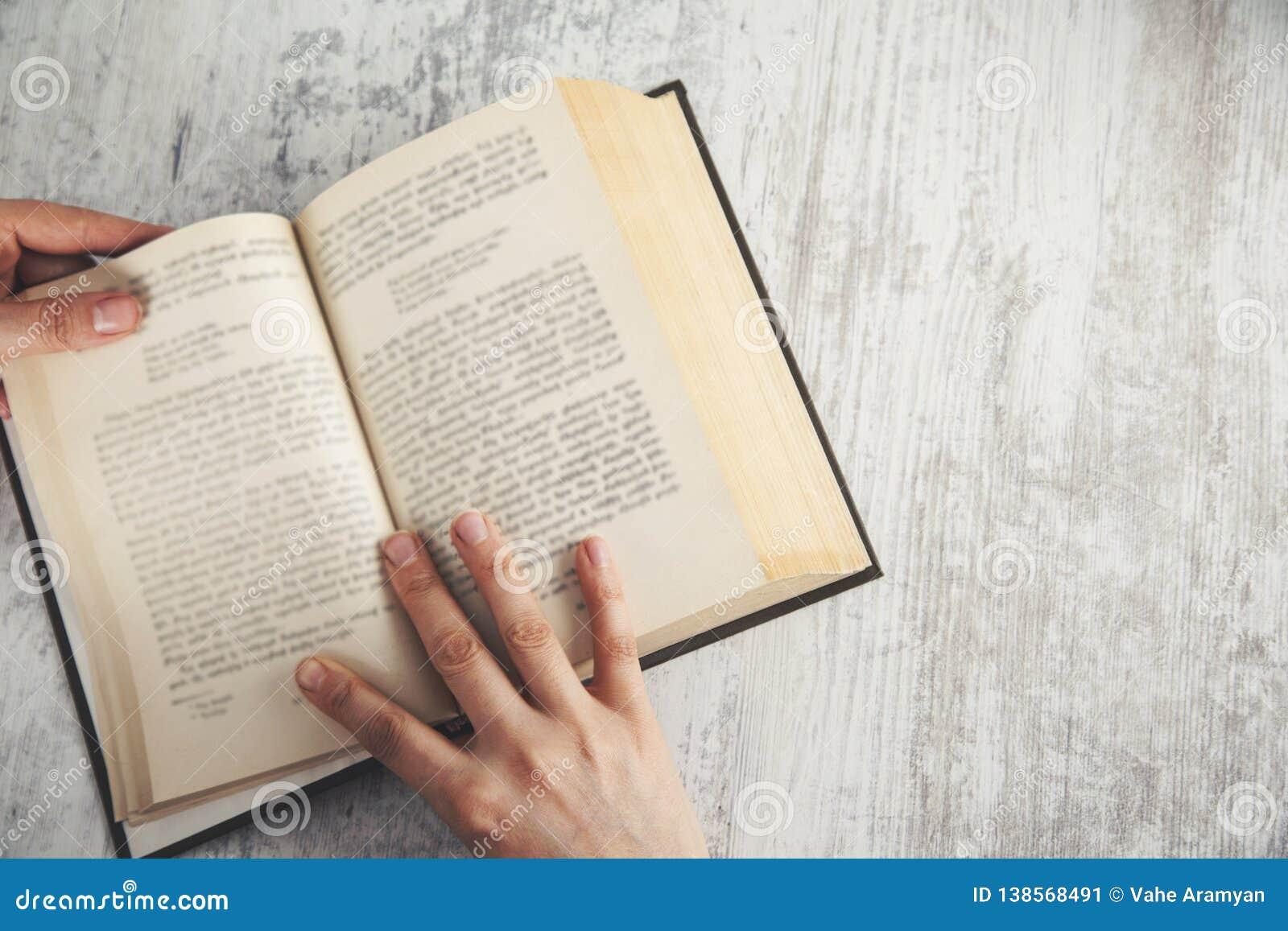 Het boek van de vrouwenhand