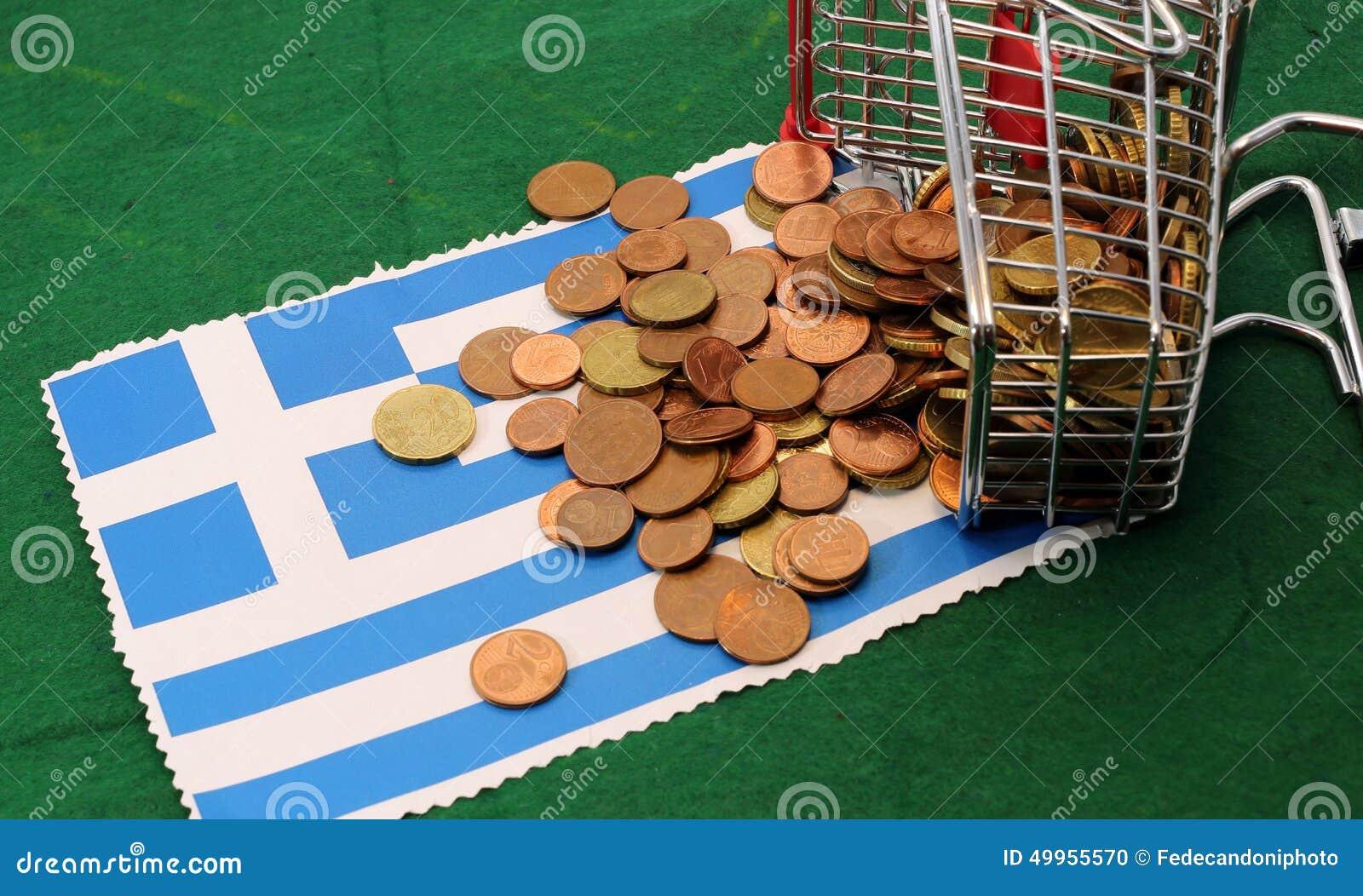 Het boodschappenwagentjehoogtepunt van euro muntstukken viel Vlag van Griekenland om
