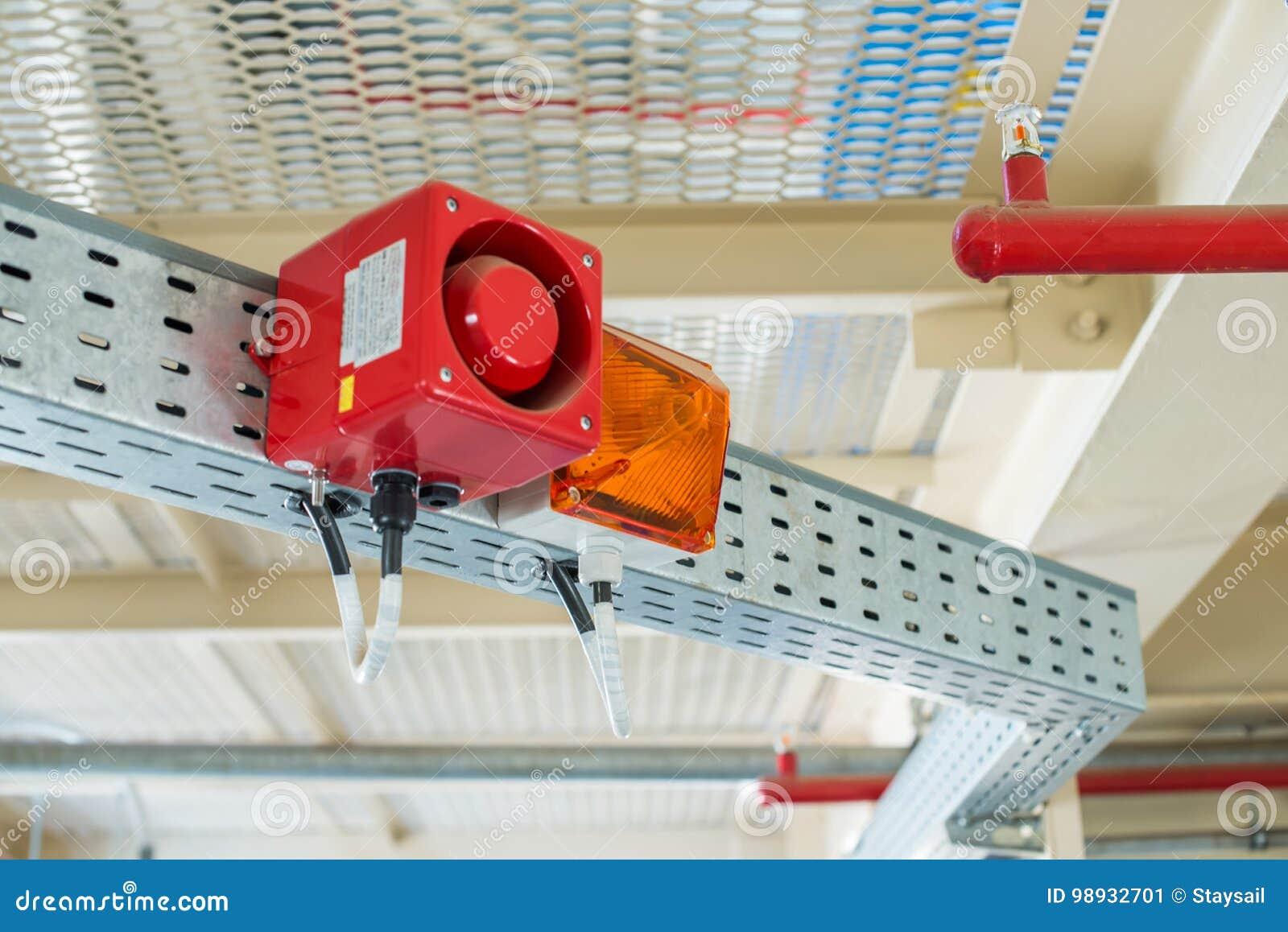 Het brandalarmsysteem De combinatie van correct en licht alarm