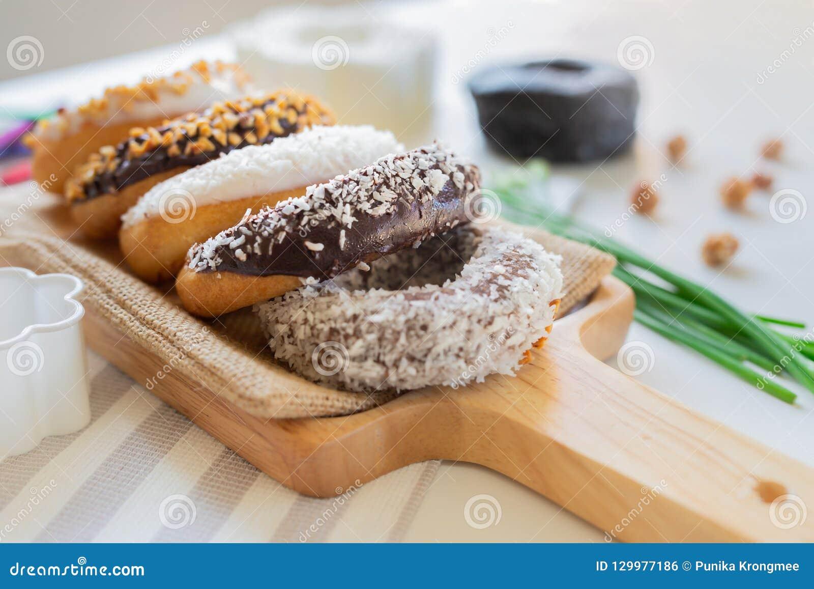 Het brood van de chocoladedoughnut