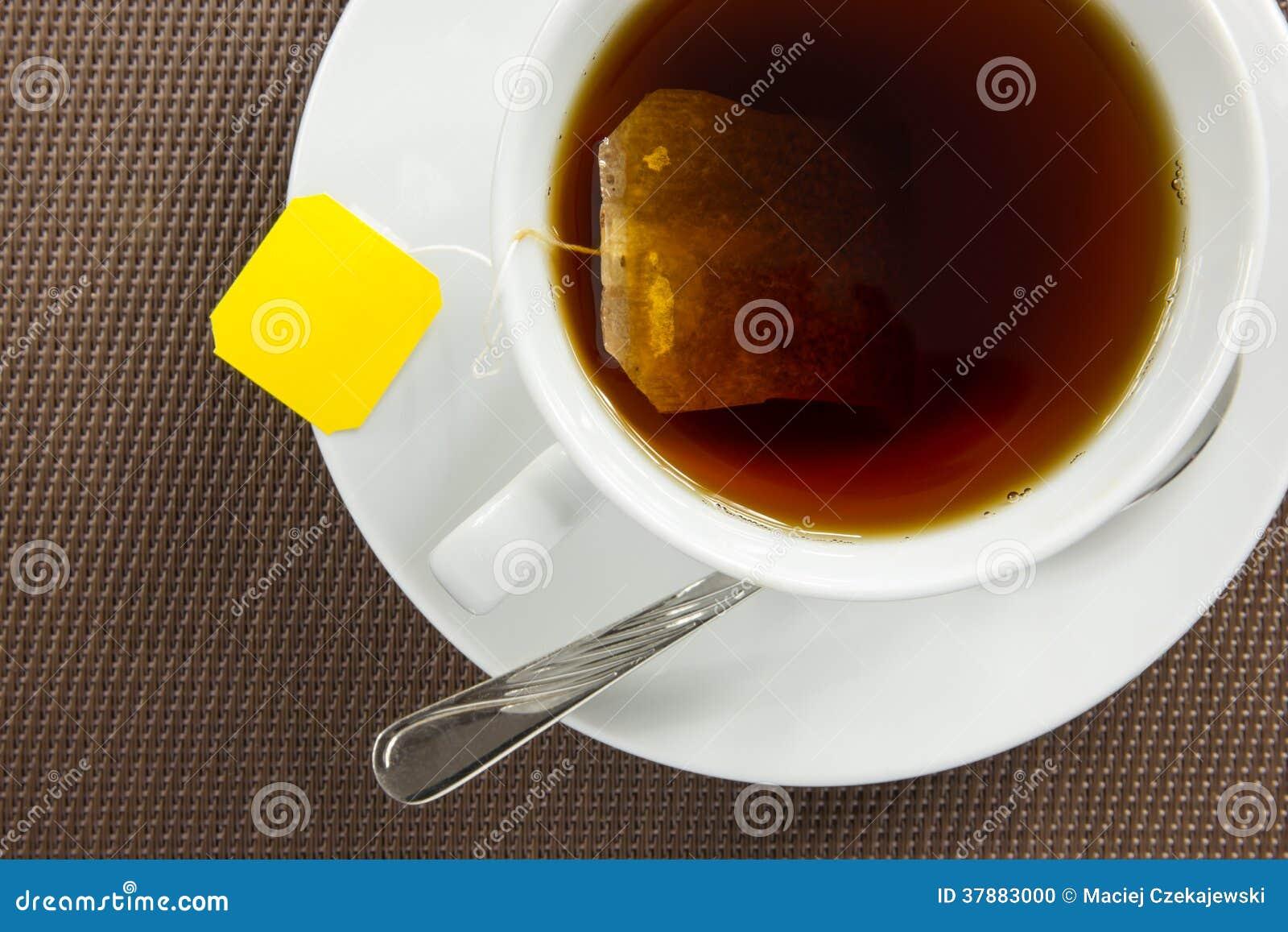 Het brouwen van een thee