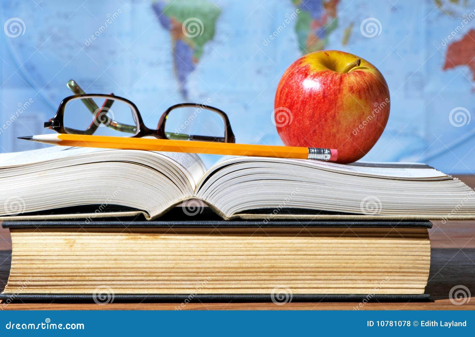 Het Bureau van de studie met Appel en Boeken