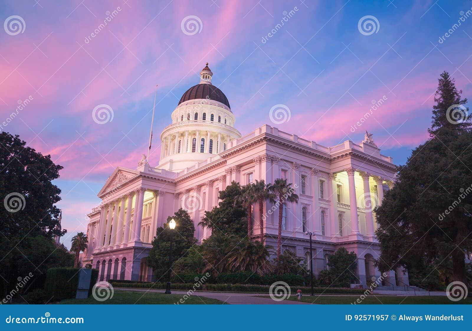 Het Capitool van de Staat van Californië in Sacramento