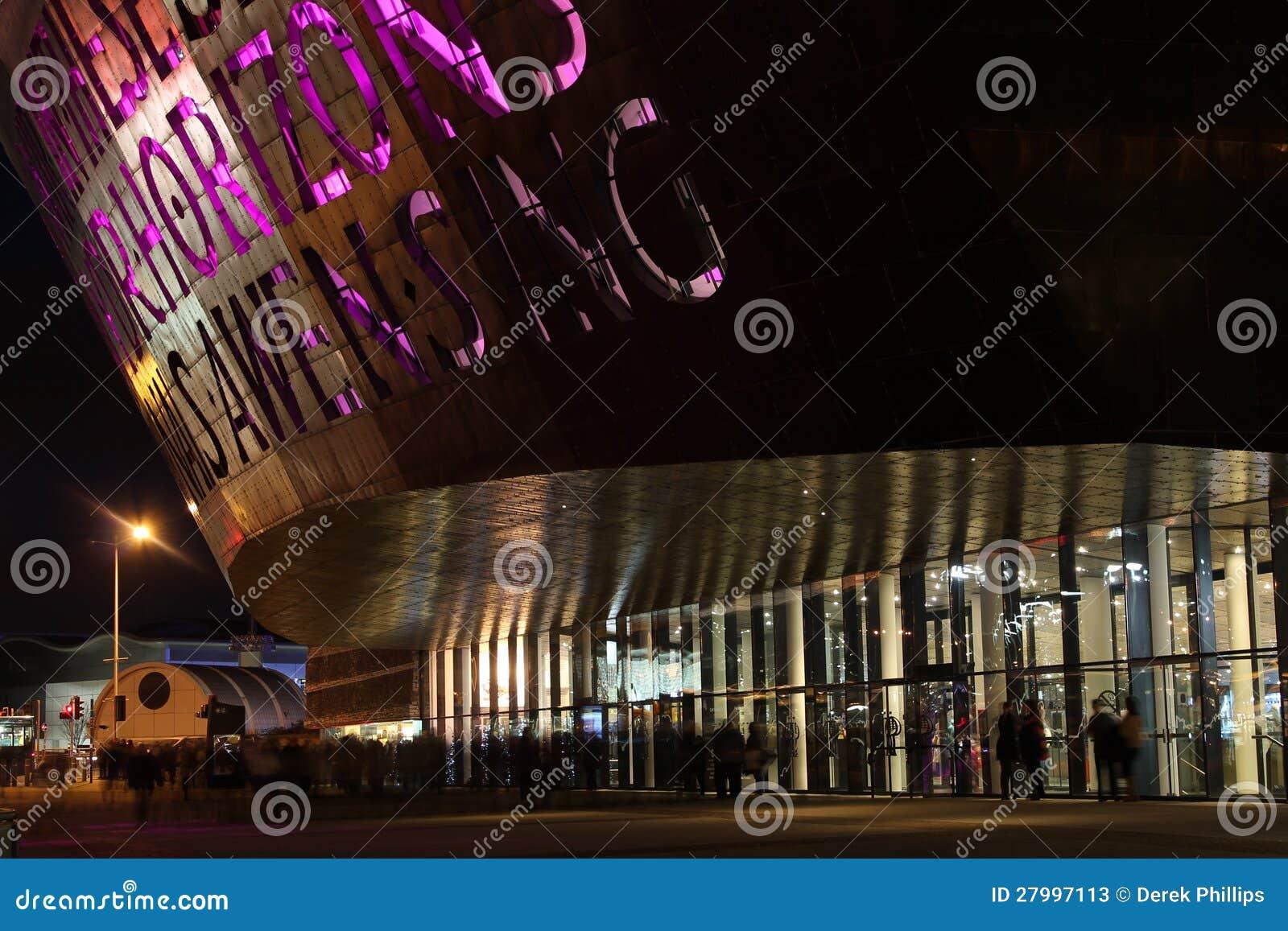 Het Centrum van het Millennium van Wales bij Nacht
