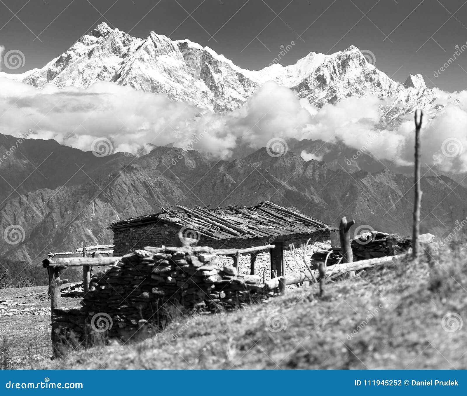 Het chalet op weiland en zet Annapurna op