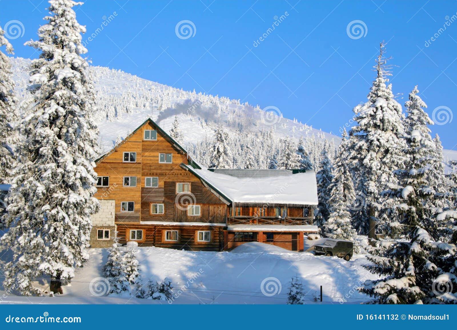 Het chalet van de ski