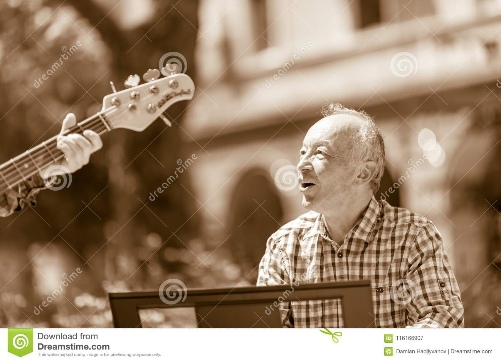 Het communiceren wanneer het spelen van jazz