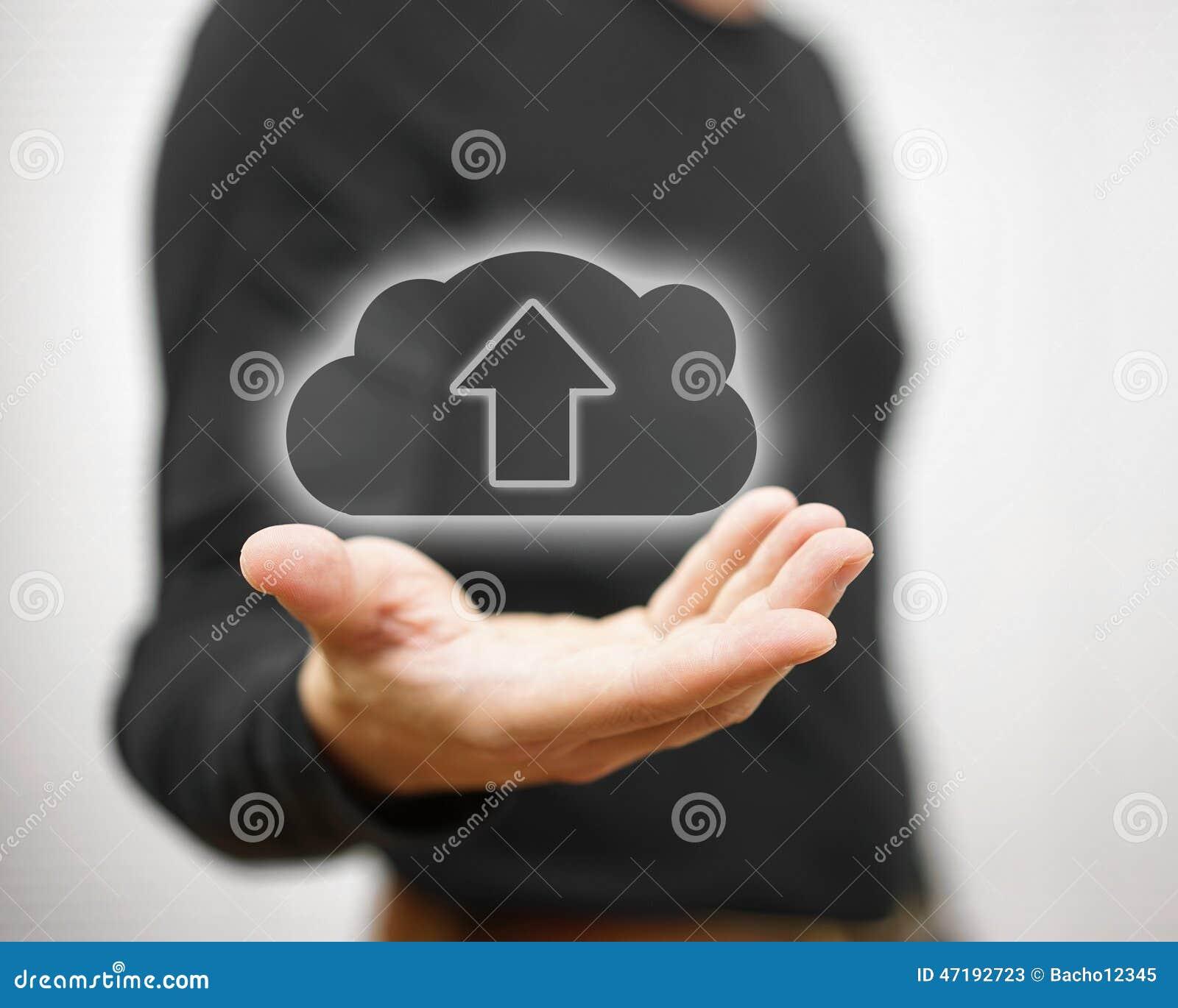 Het concept de veilige opslag van wolkengegevens of het uploaden u dient in