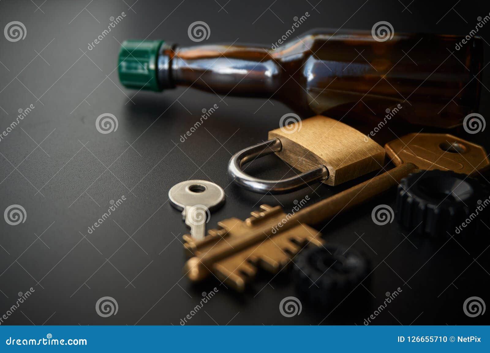 Het conceptuele beeld van verhindert het slot van de dronkenschap bij het rijdenauto