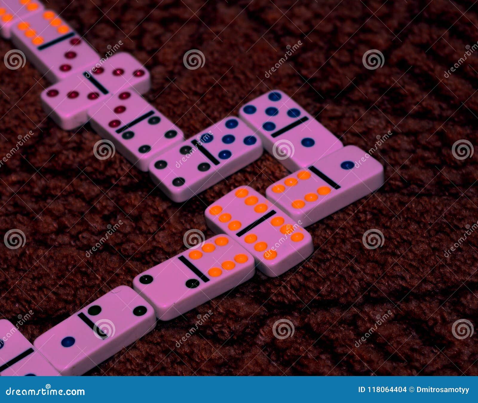 Het dominospel, haalt tegenstander over