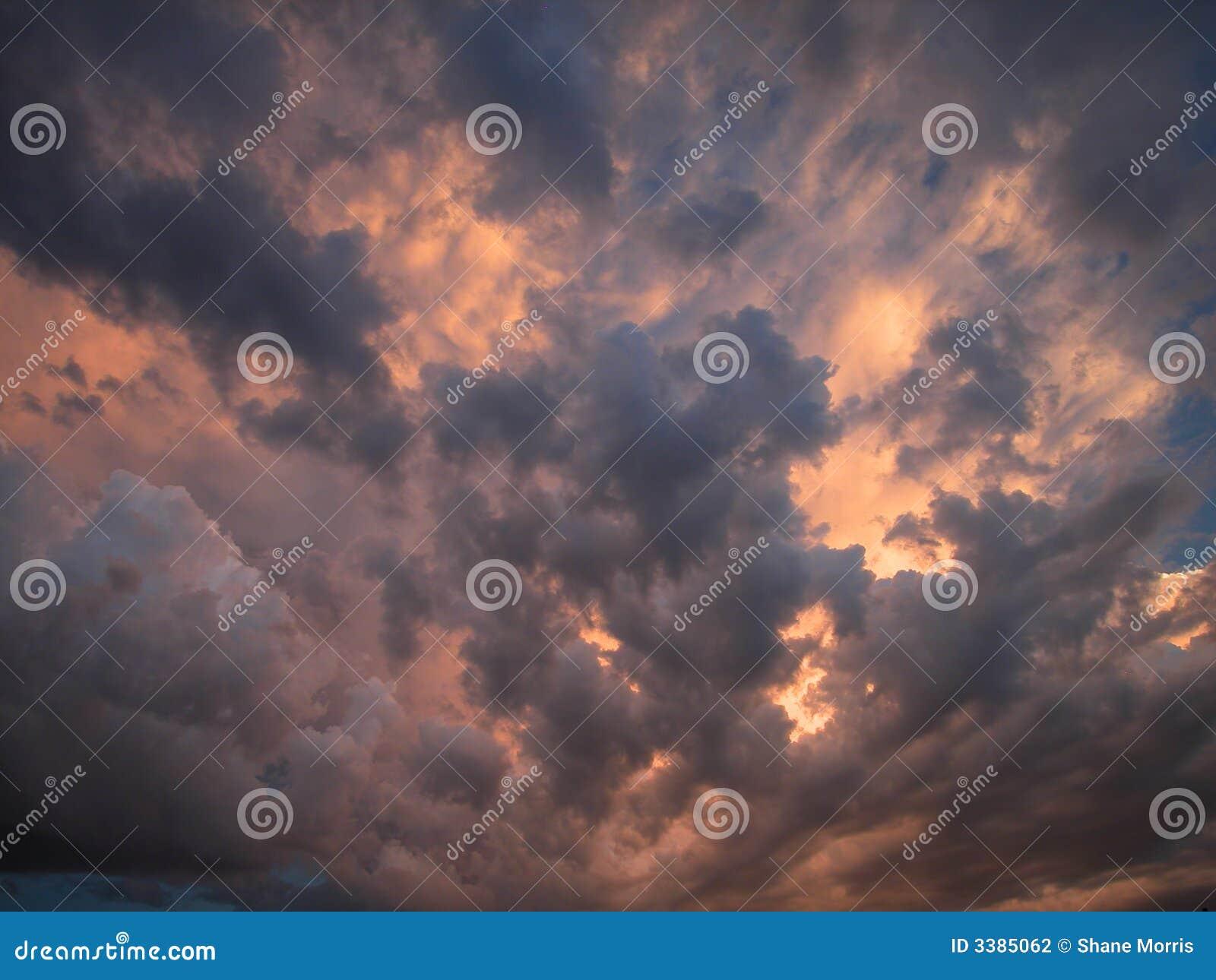 Het donderen van Wolken