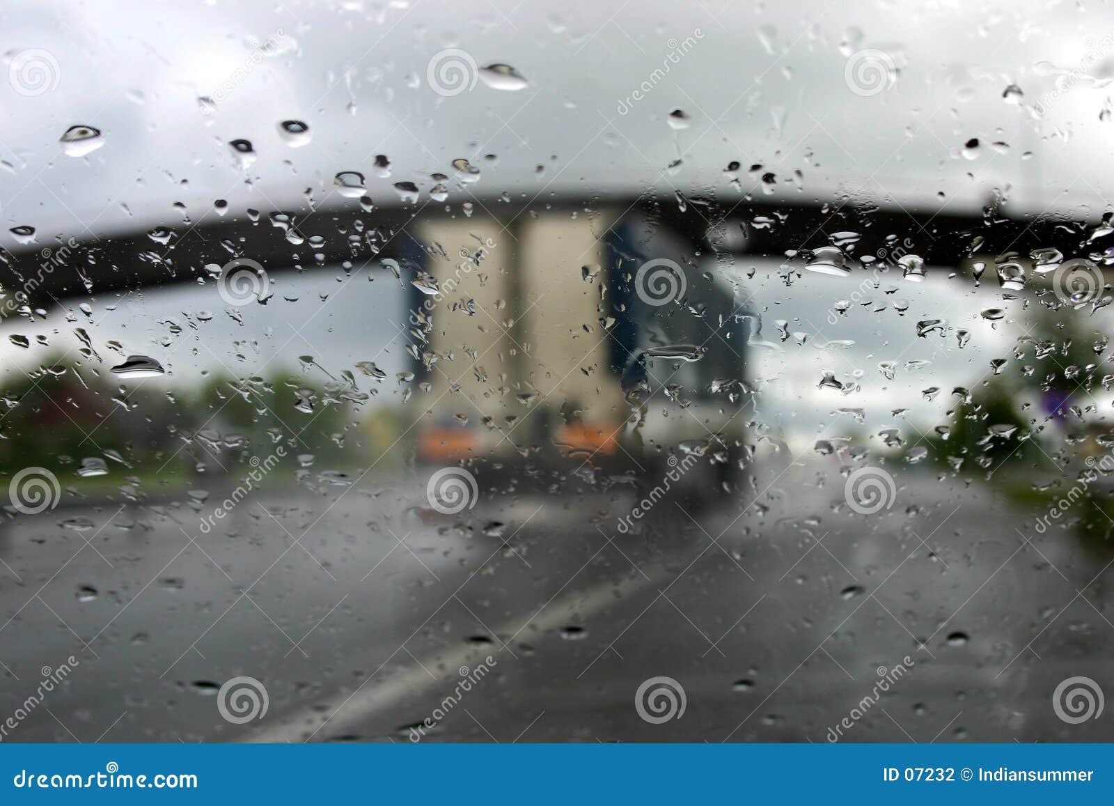 Het drijven in regen IV