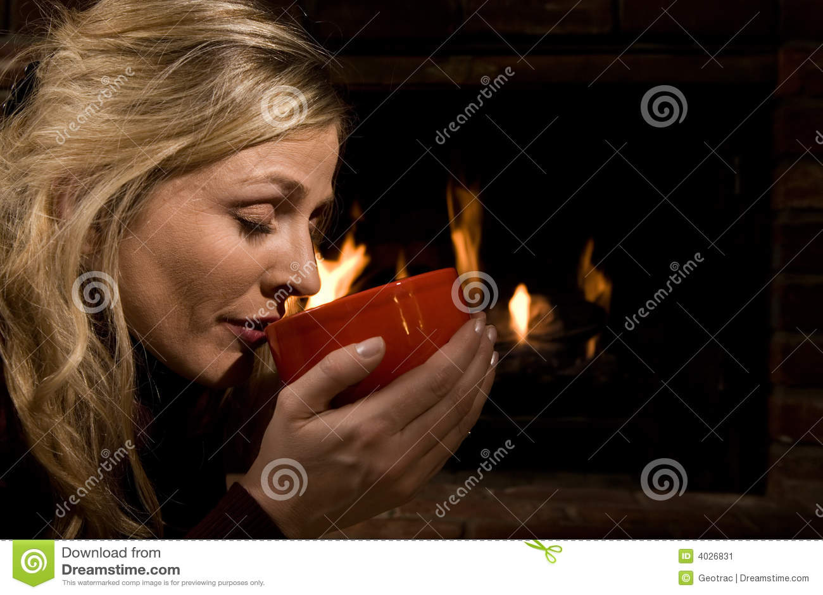 Het drinken van soep door de brand