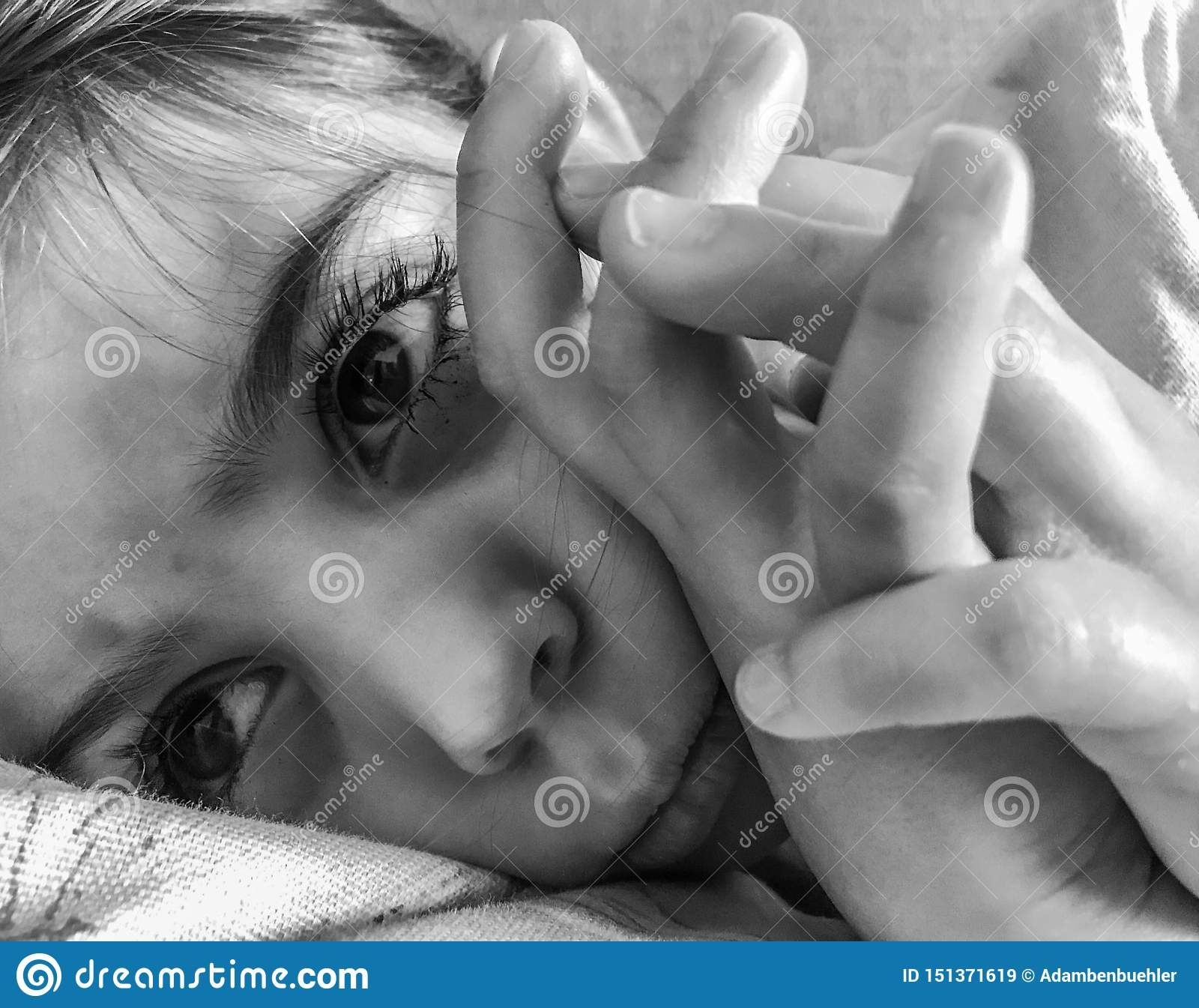 Het droevige meisje bepalen