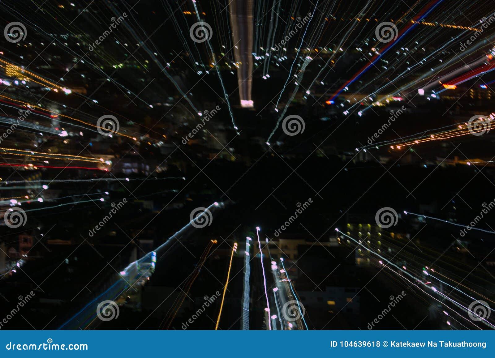 Download Het Effect Van Het Ontploffingsgezoem, Lichte Lijnen Met Lange Blootstelling Stock Foto - Afbeelding bestaande uit uitbarsting, filter: 104639618
