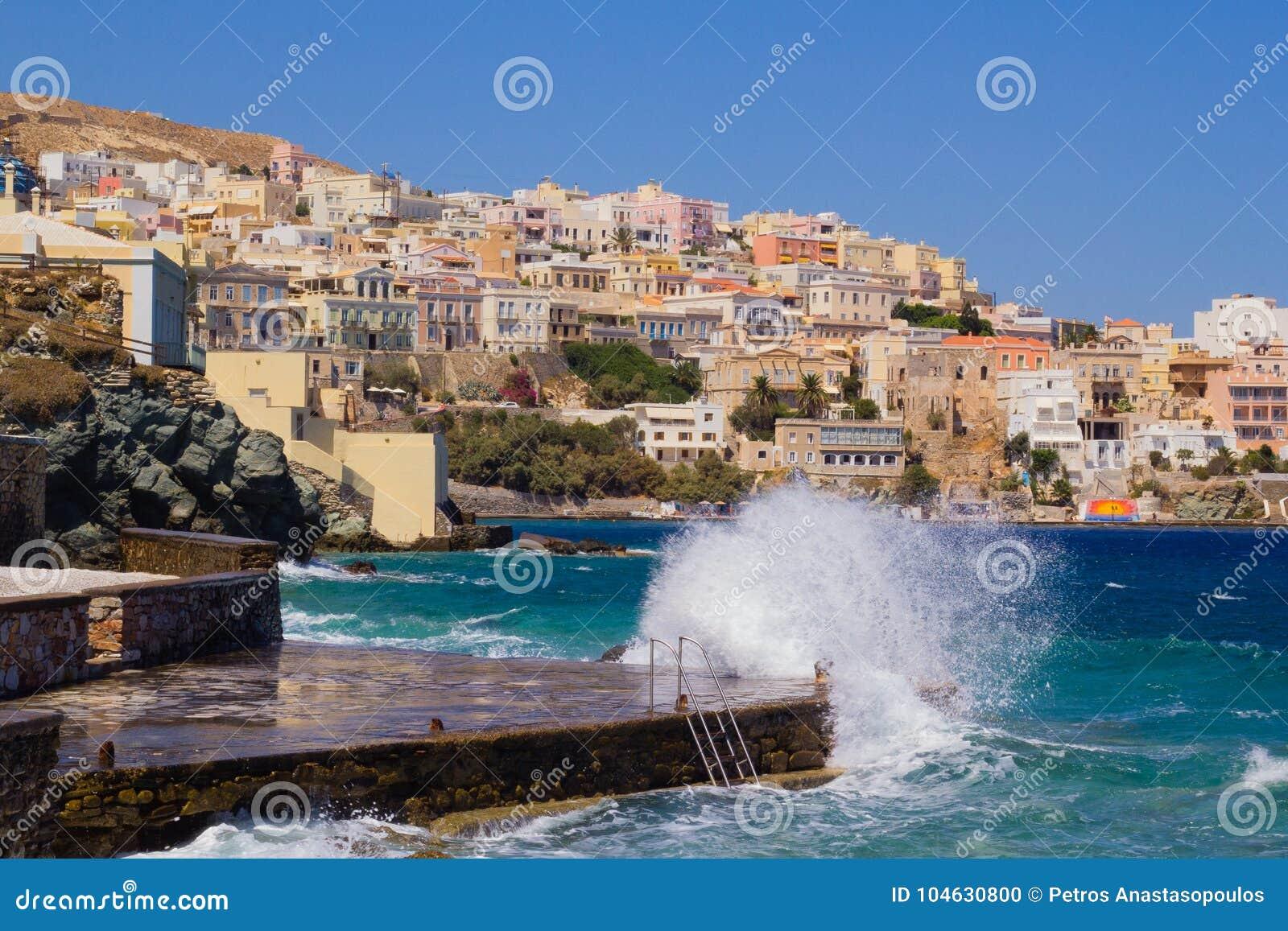Download Het Eiland van Syros stock foto. Afbeelding bestaande uit mening - 104630800