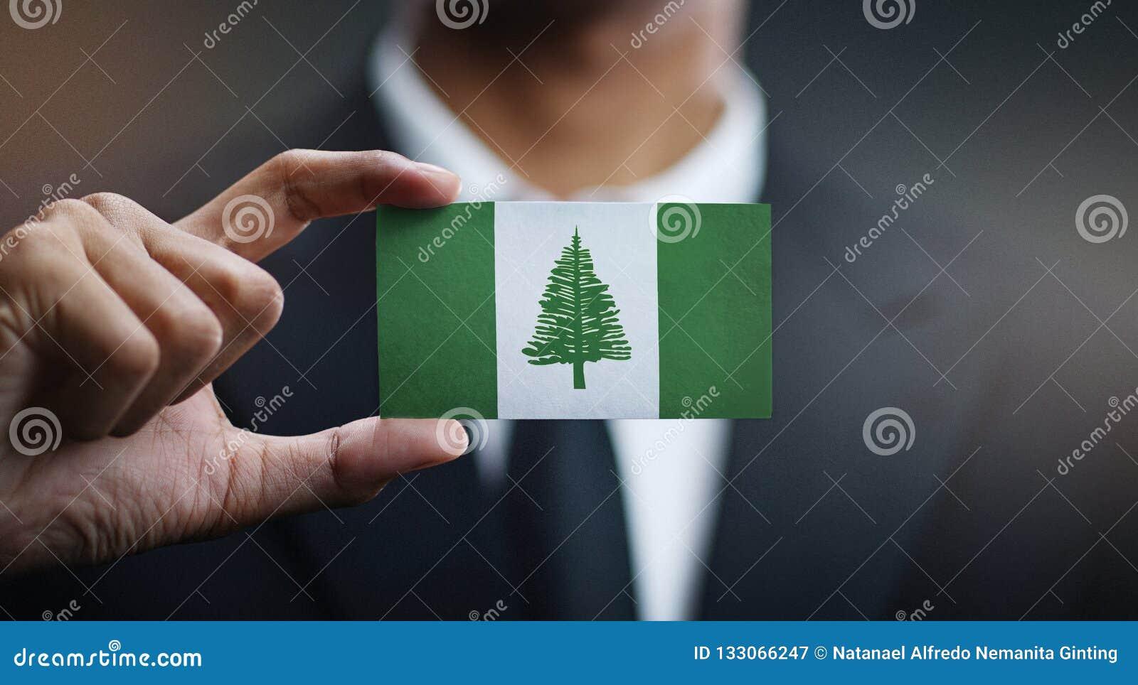 Het Eilandvlag van zakenmanholding card norfolk